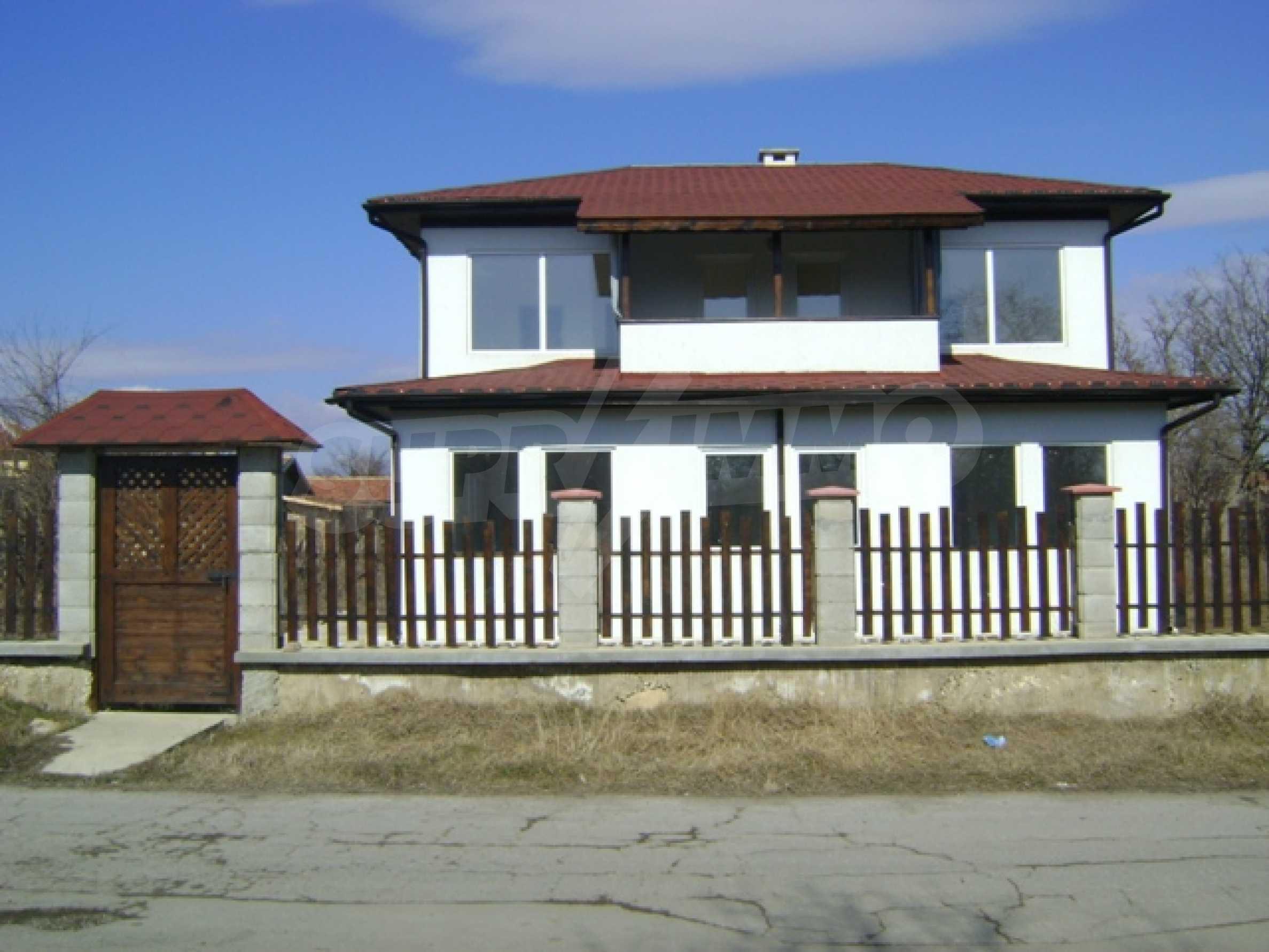 Neues Haus im Dorf Vetrino 4