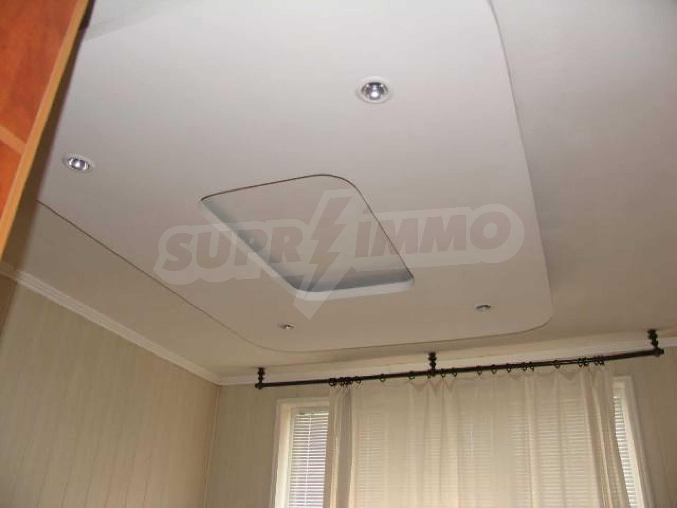 Тристаен апартамент в идеалния център на гр. Добрич 12