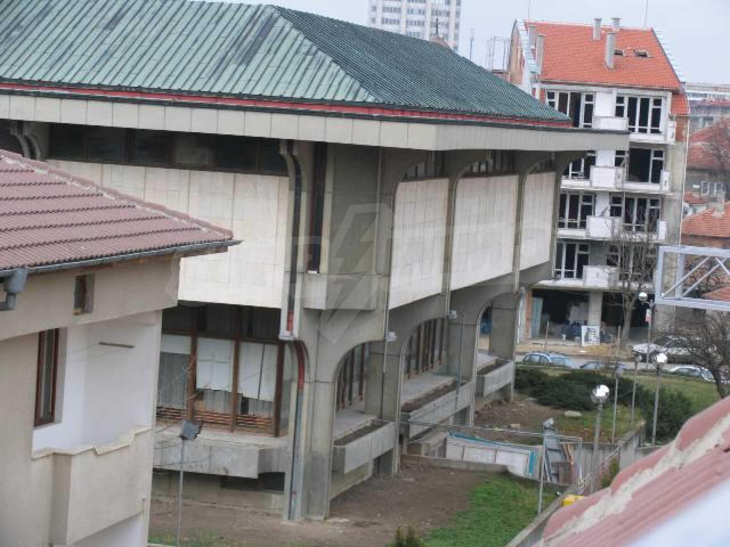 Тристаен апартамент в идеалния център на гр. Добрич 22