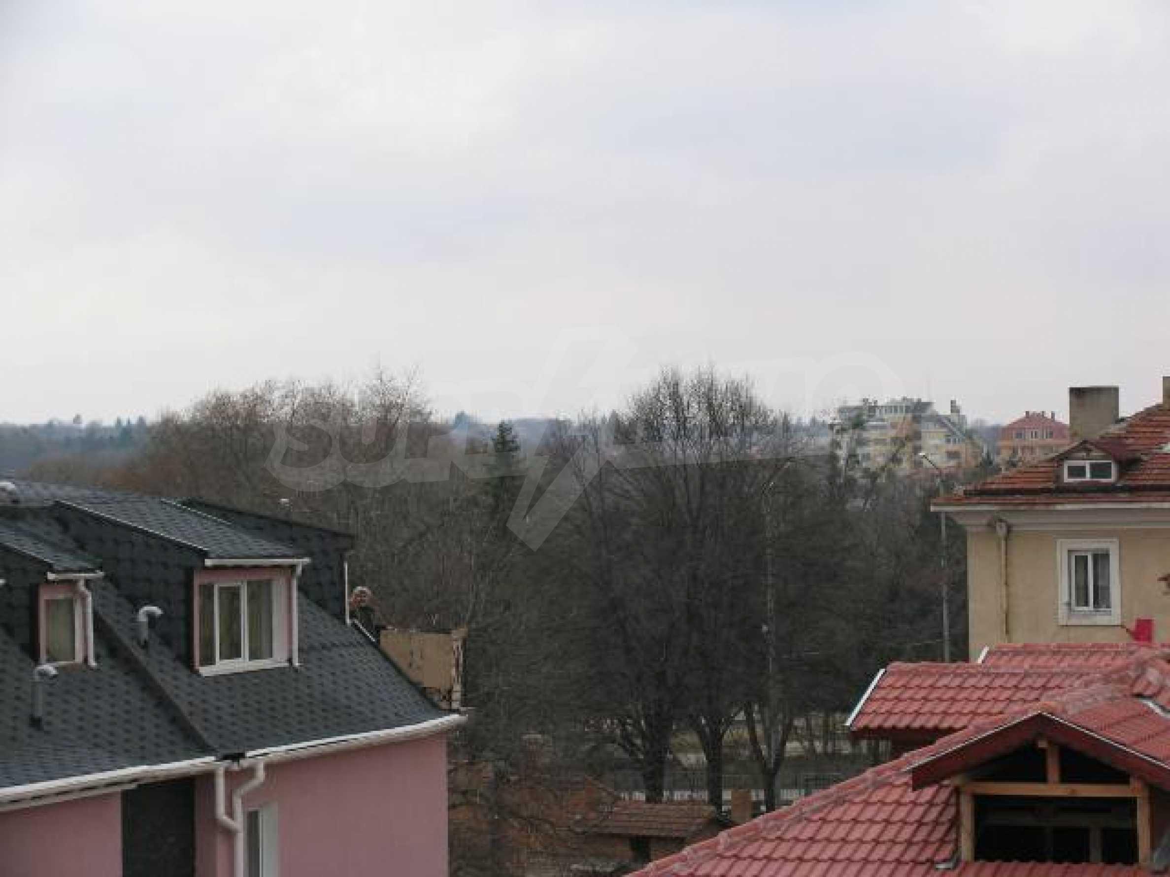 Тристаен апартамент в идеалния център на гр. Добрич 23
