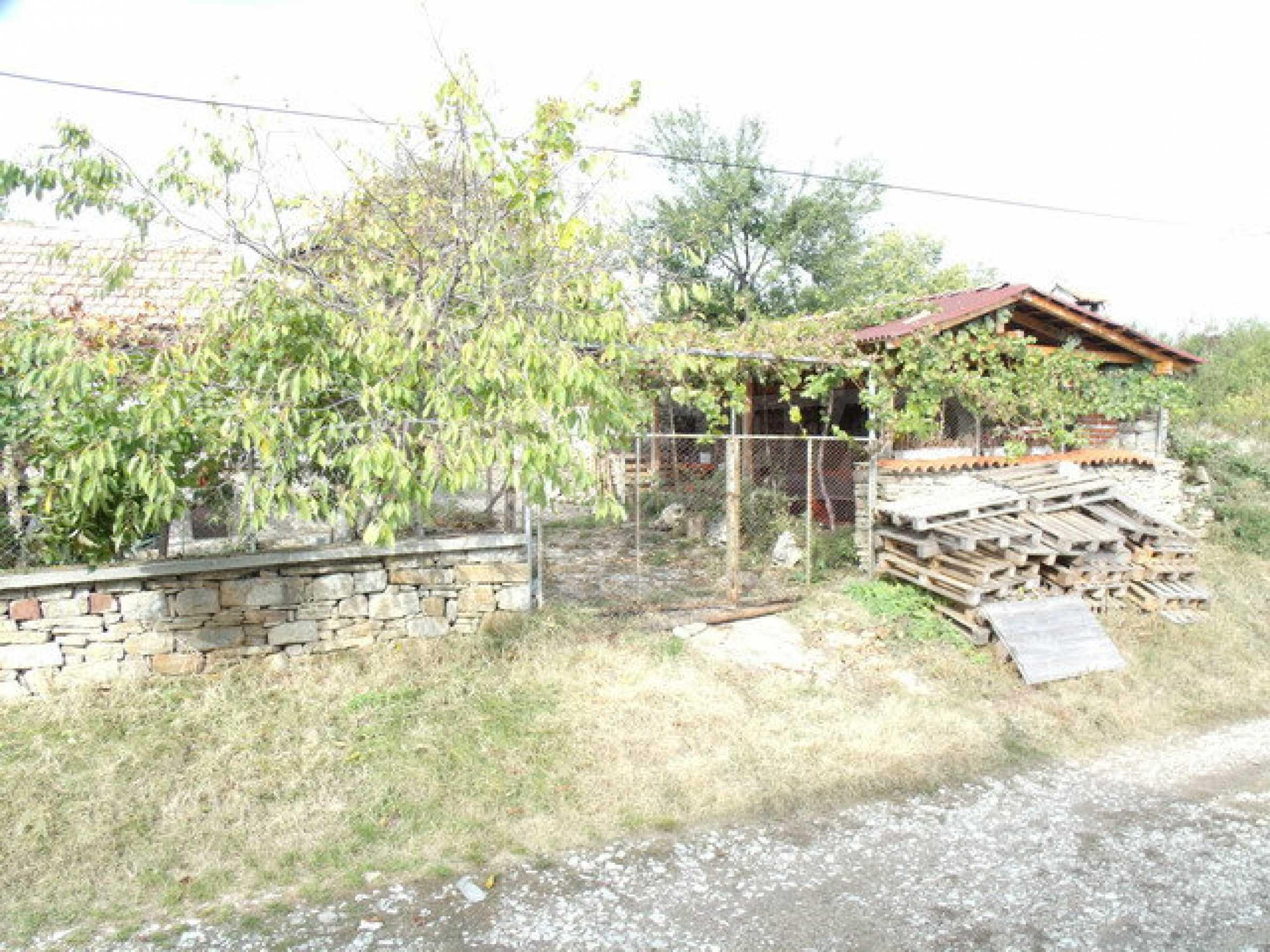 Дом в 15 км от Велико Тырново 1