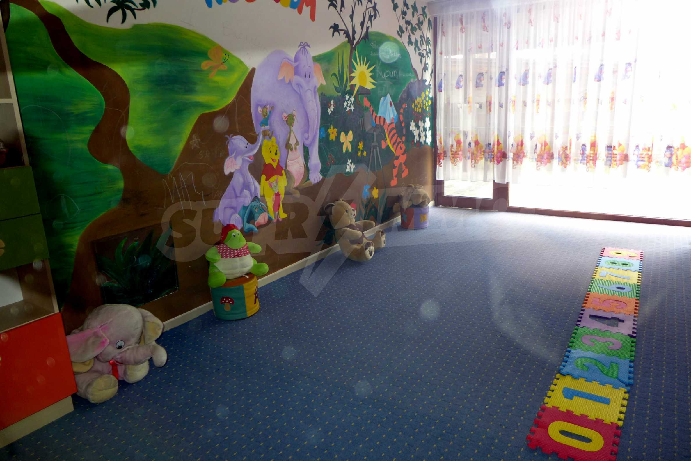 Ein-Zimmer-Wohnung in Redenka Palace 28