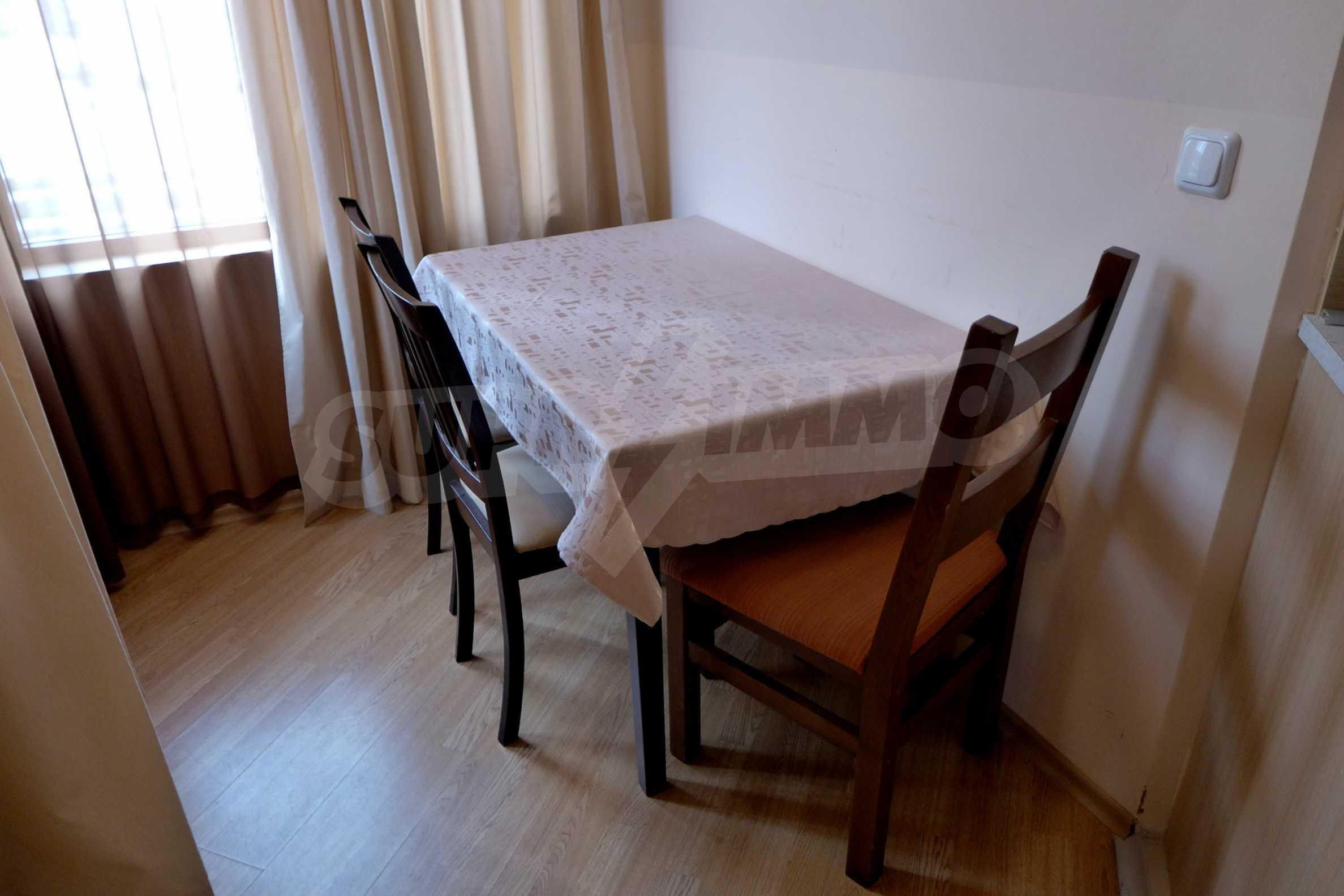 Ein-Zimmer-Wohnung in Redenka Palace 8