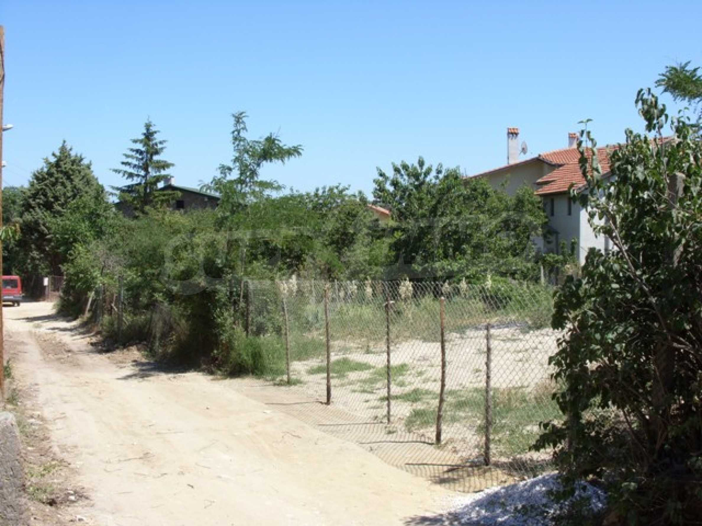 A plot in the area of Trakata 2