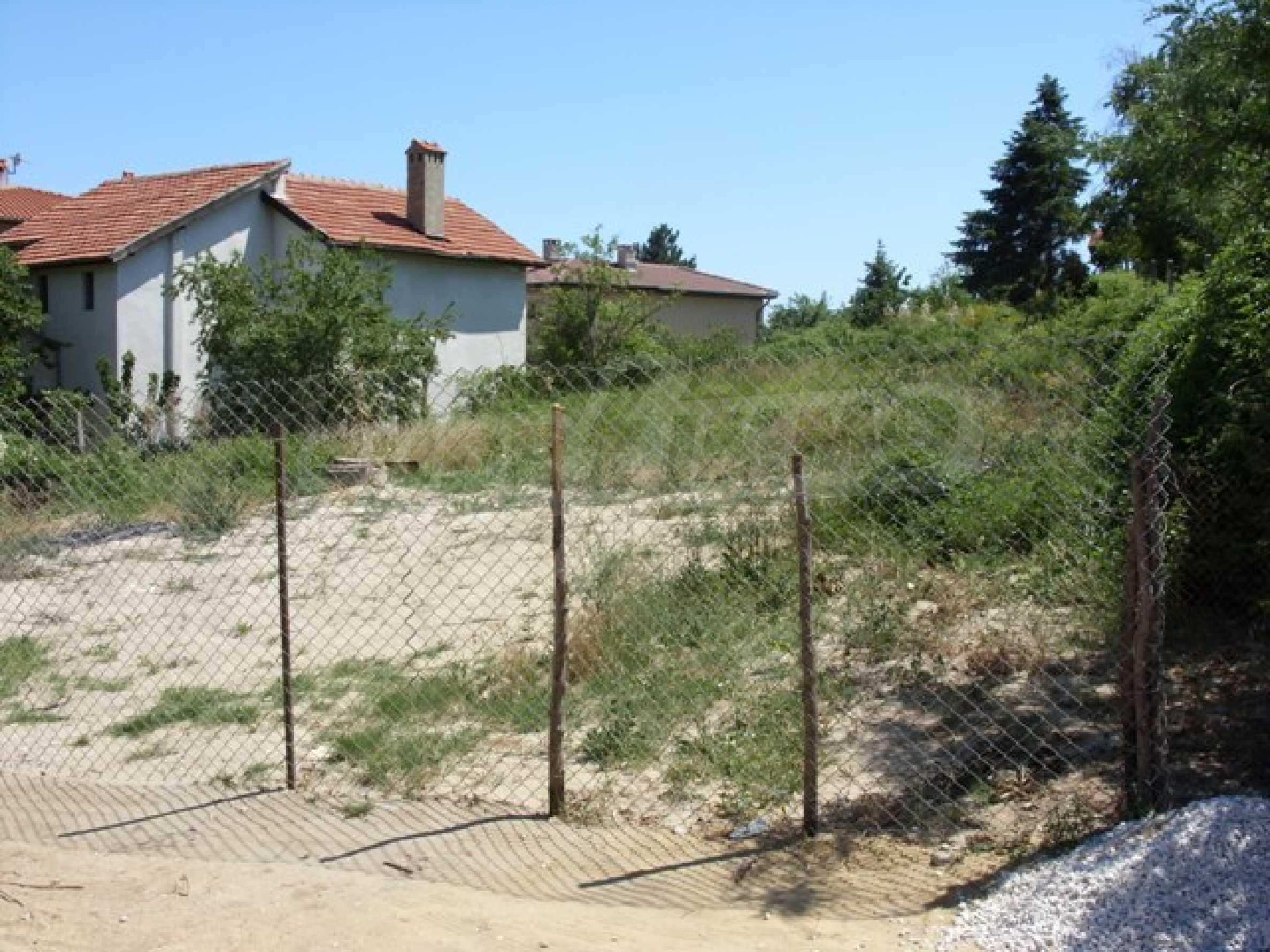 A plot in the area of Trakata 3
