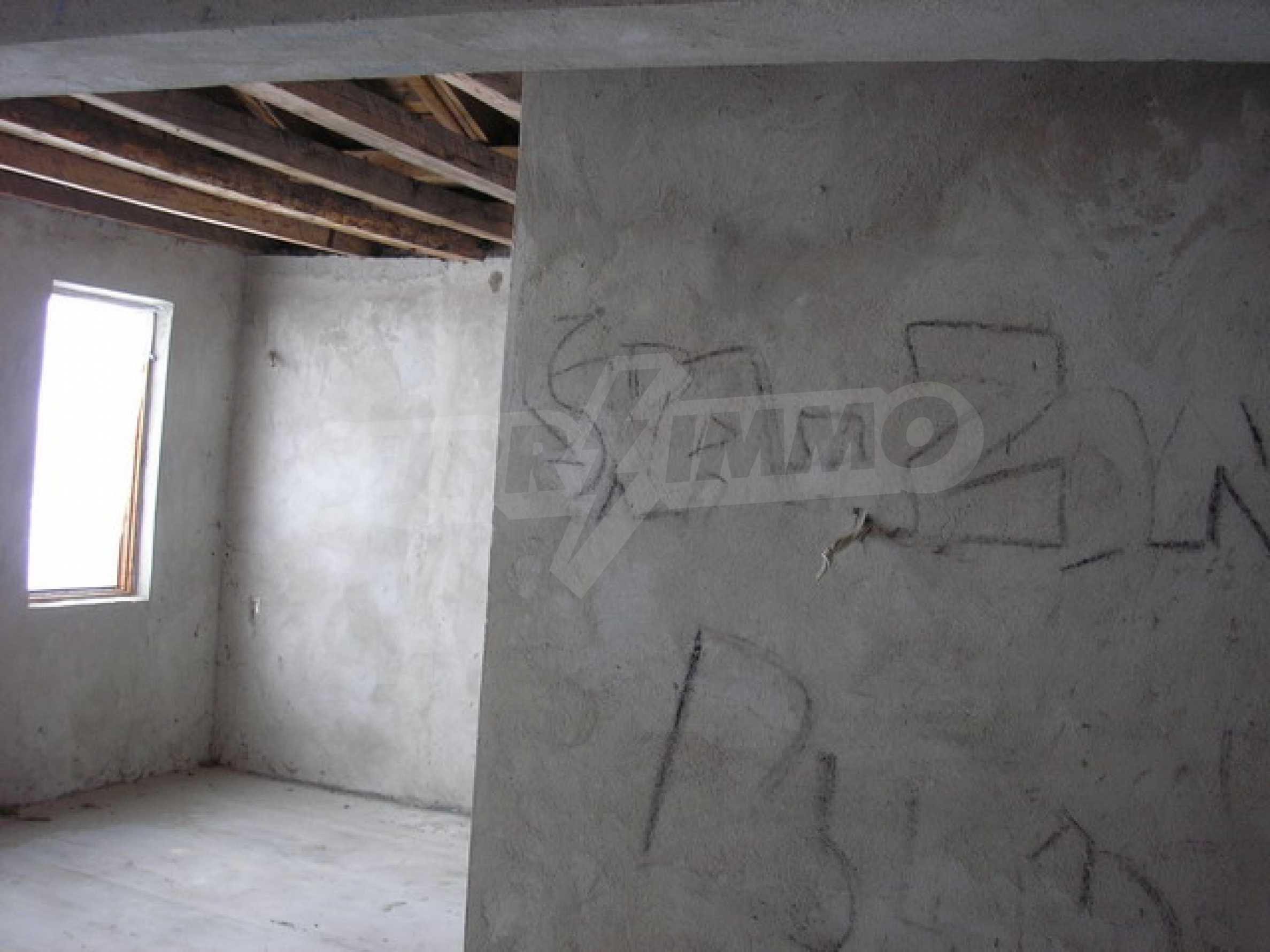 Neugebautes Haus mit Geschäftspotential, nur 6 km von Trjawna entfernt 11