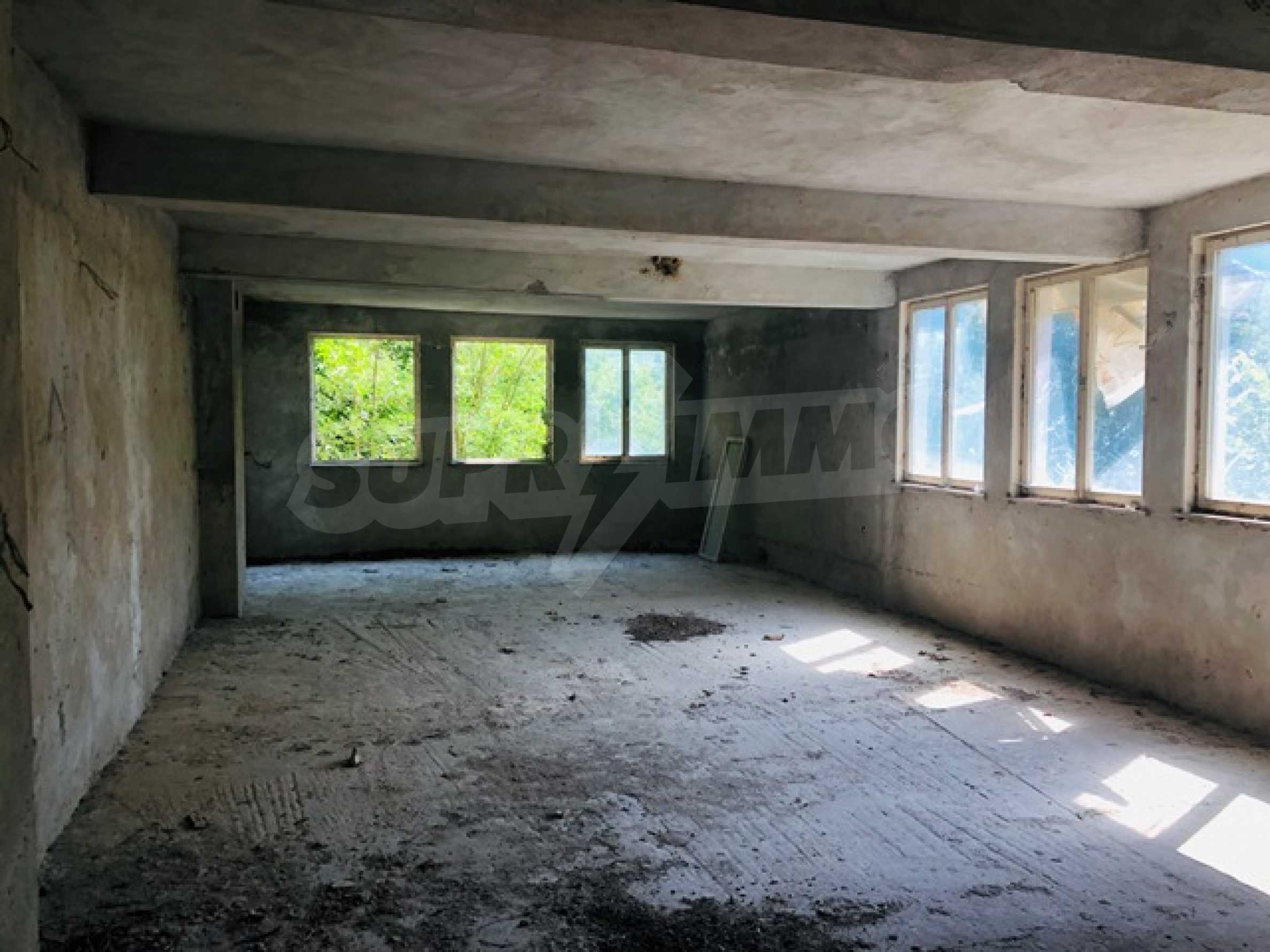 Neugebautes Haus mit Geschäftspotential, nur 6 km von Trjawna entfernt 13