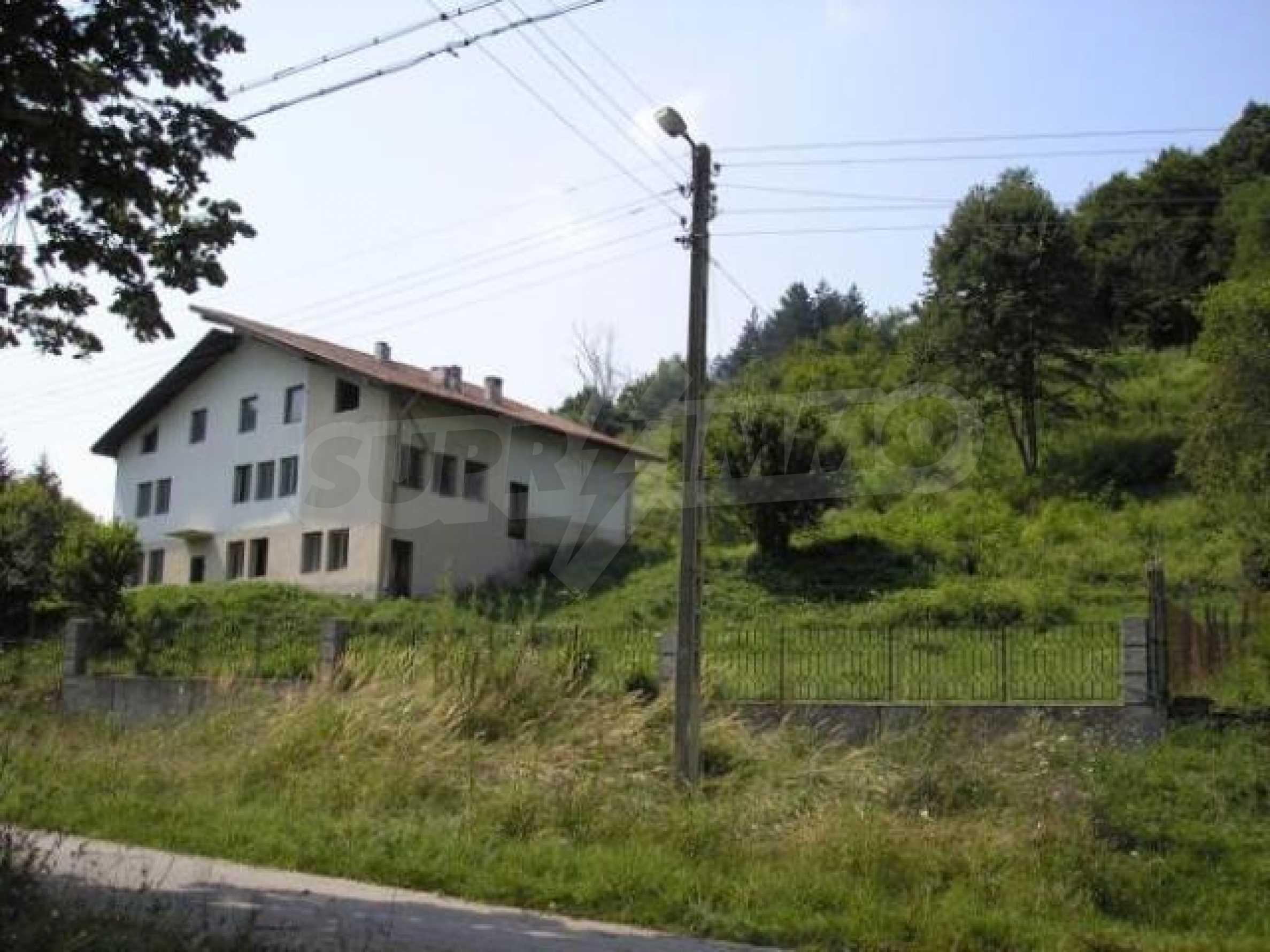 Neugebautes Haus mit Geschäftspotential, nur 6 km von Trjawna entfernt 3