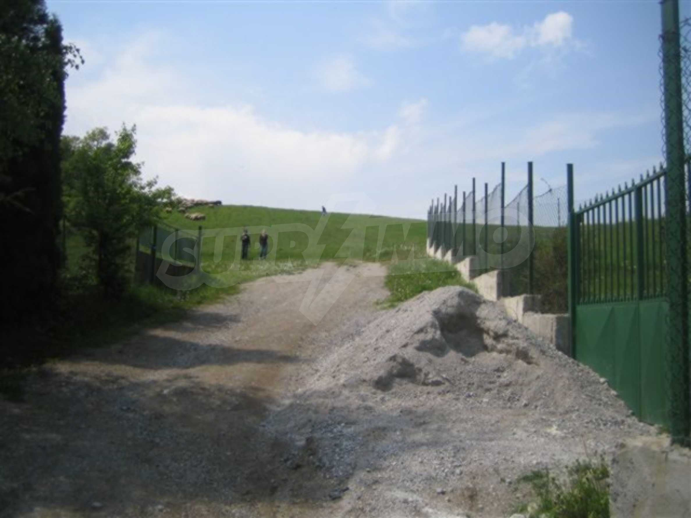 Three neighbouring plots of land in Rudartsi 17