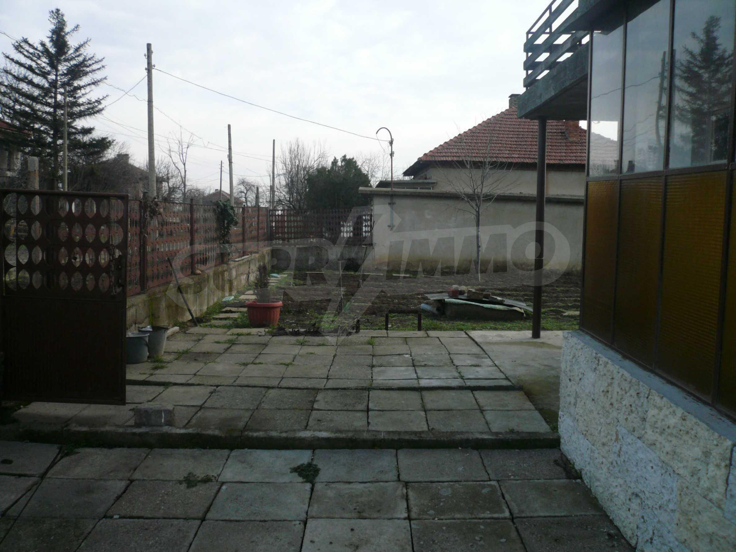 Massive zweistöckige Villa mit großem Garten in der Nähe von Vidin 17