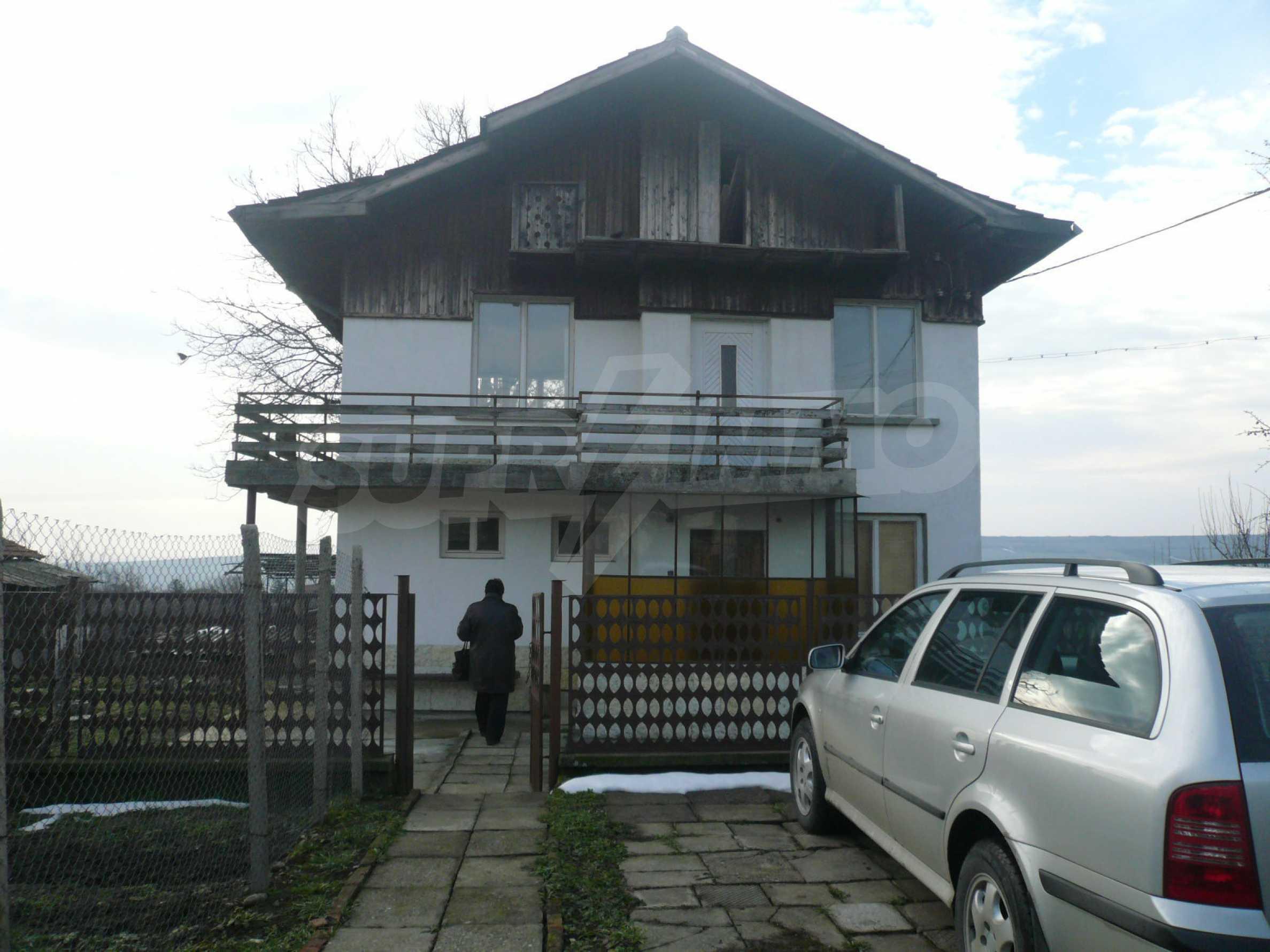 Massive zweistöckige Villa mit großem Garten in der Nähe von Vidin 2