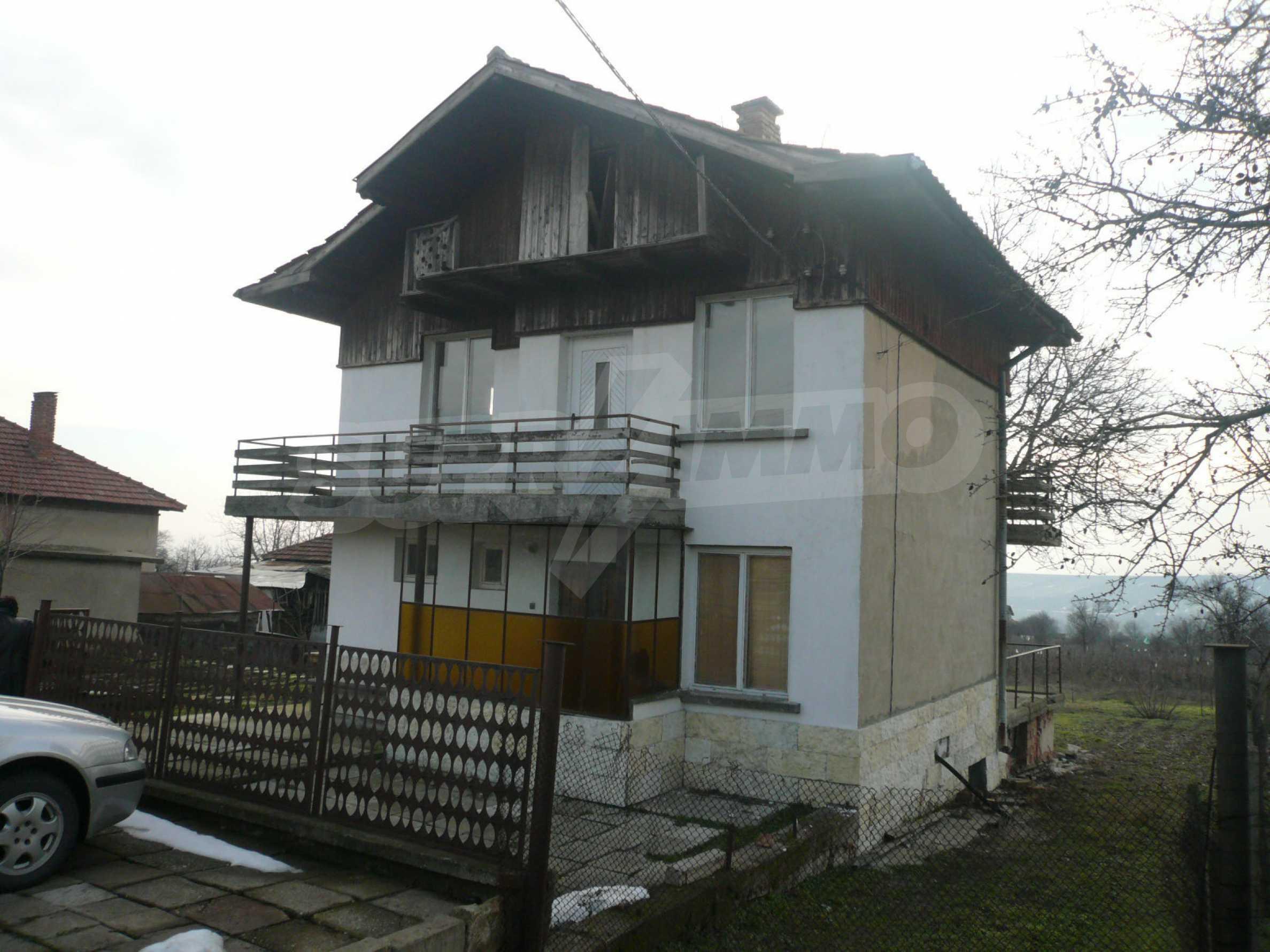 Massive zweistöckige Villa mit großem Garten in der Nähe von Vidin 3
