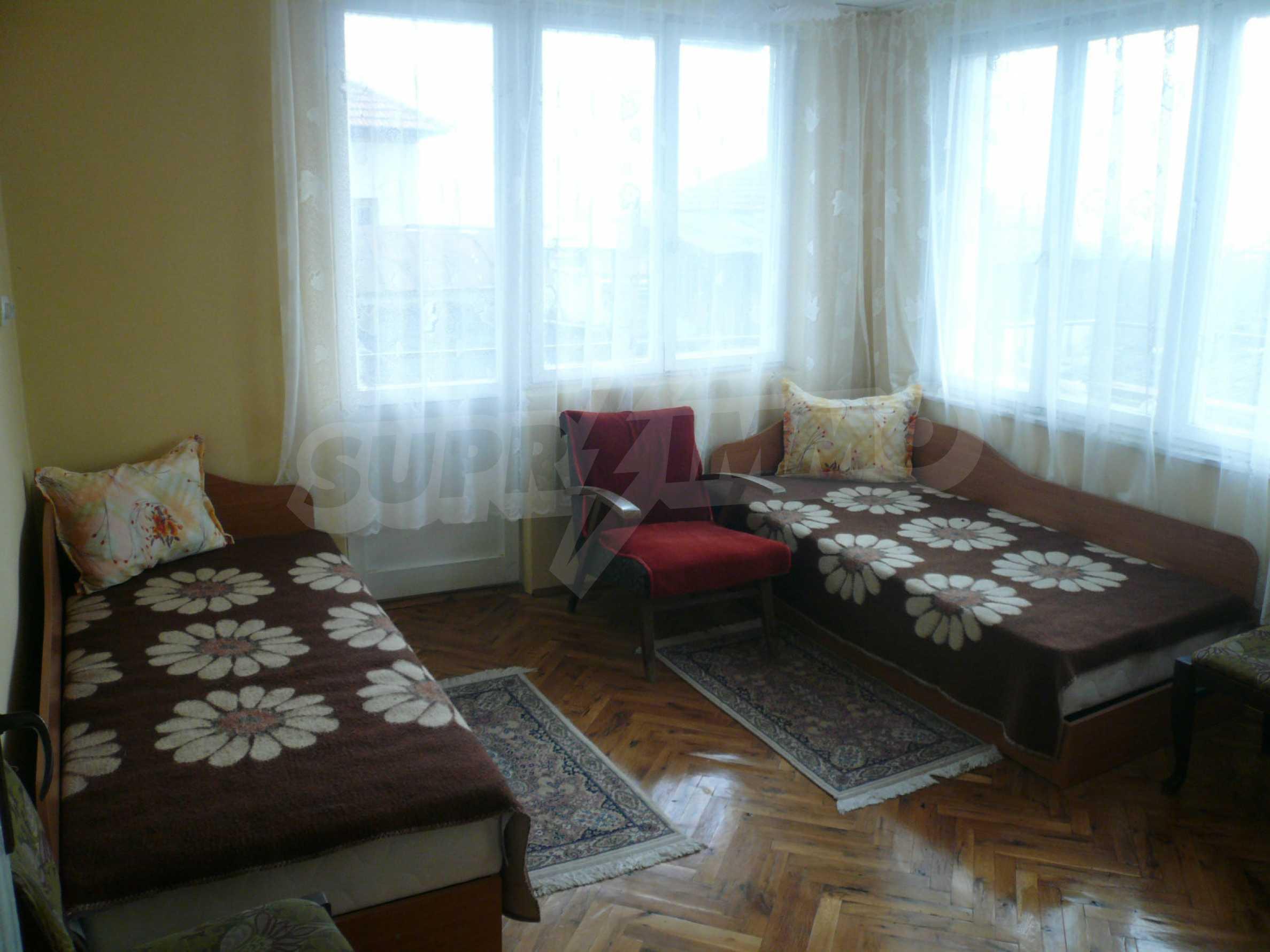 Massive zweistöckige Villa mit großem Garten in der Nähe von Vidin 8