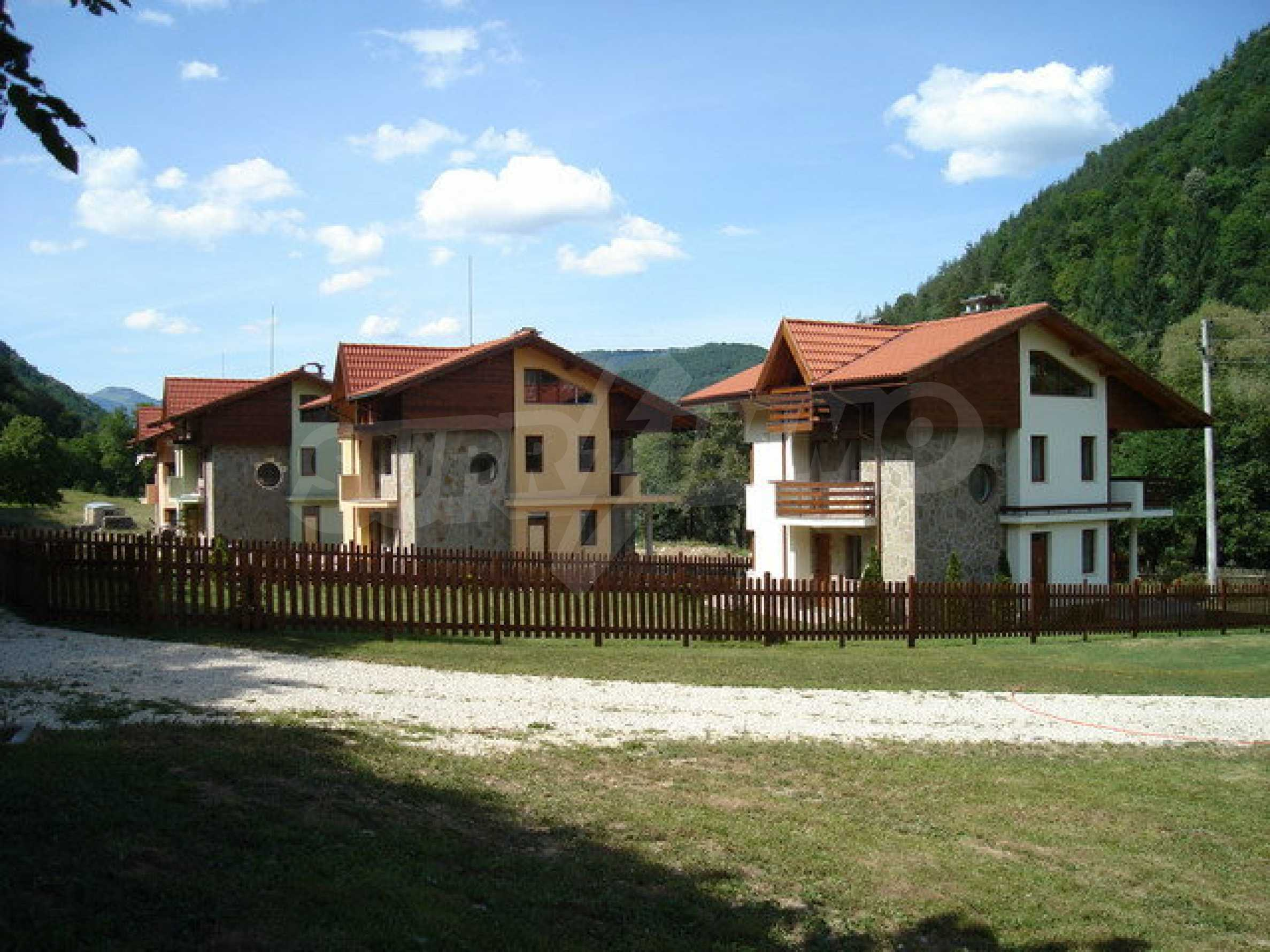 Уникален жилищен комплекс в Рибарица