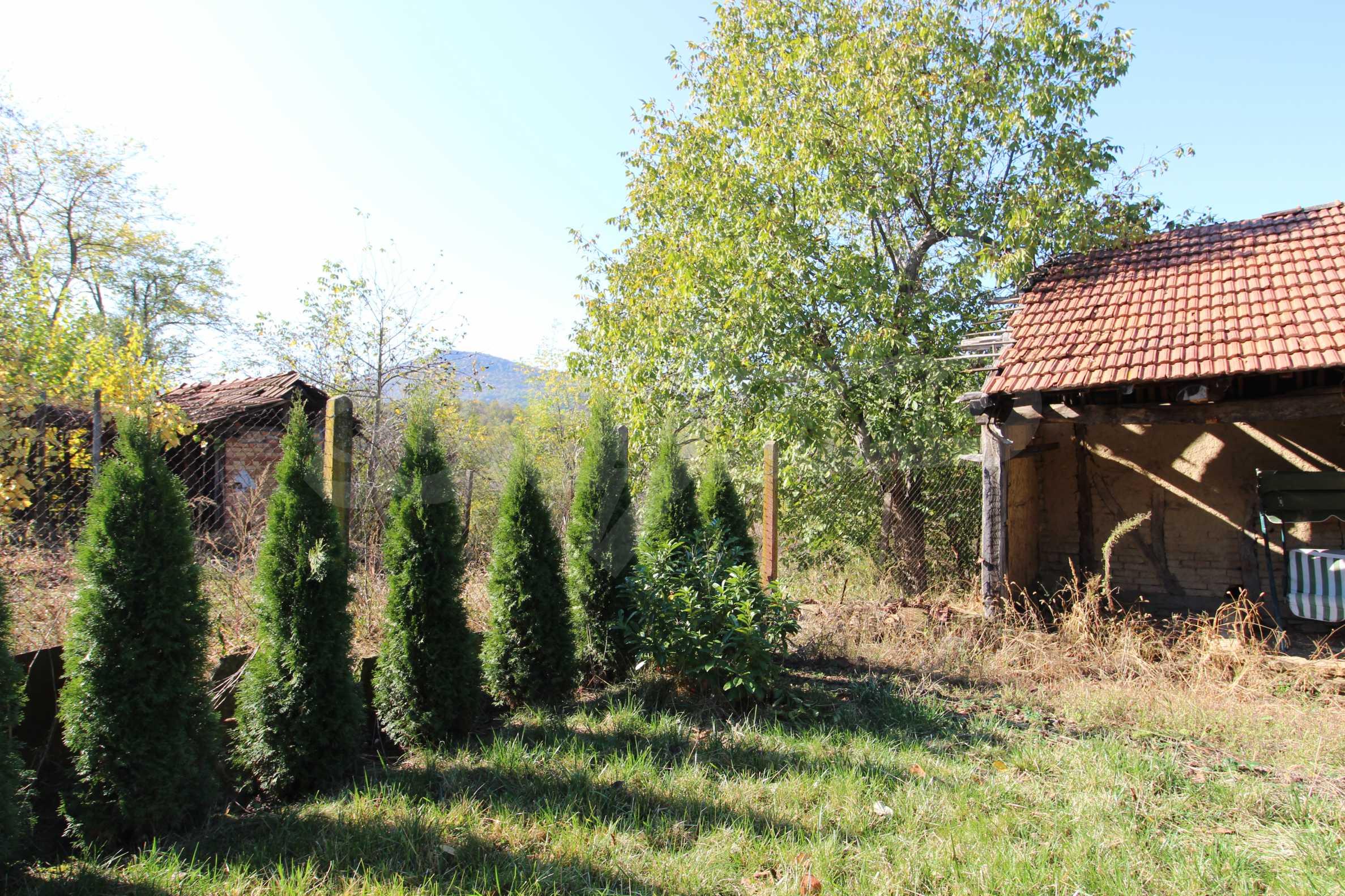 Реновирана двуетажна къща само на 24 км от Велико Търново  10