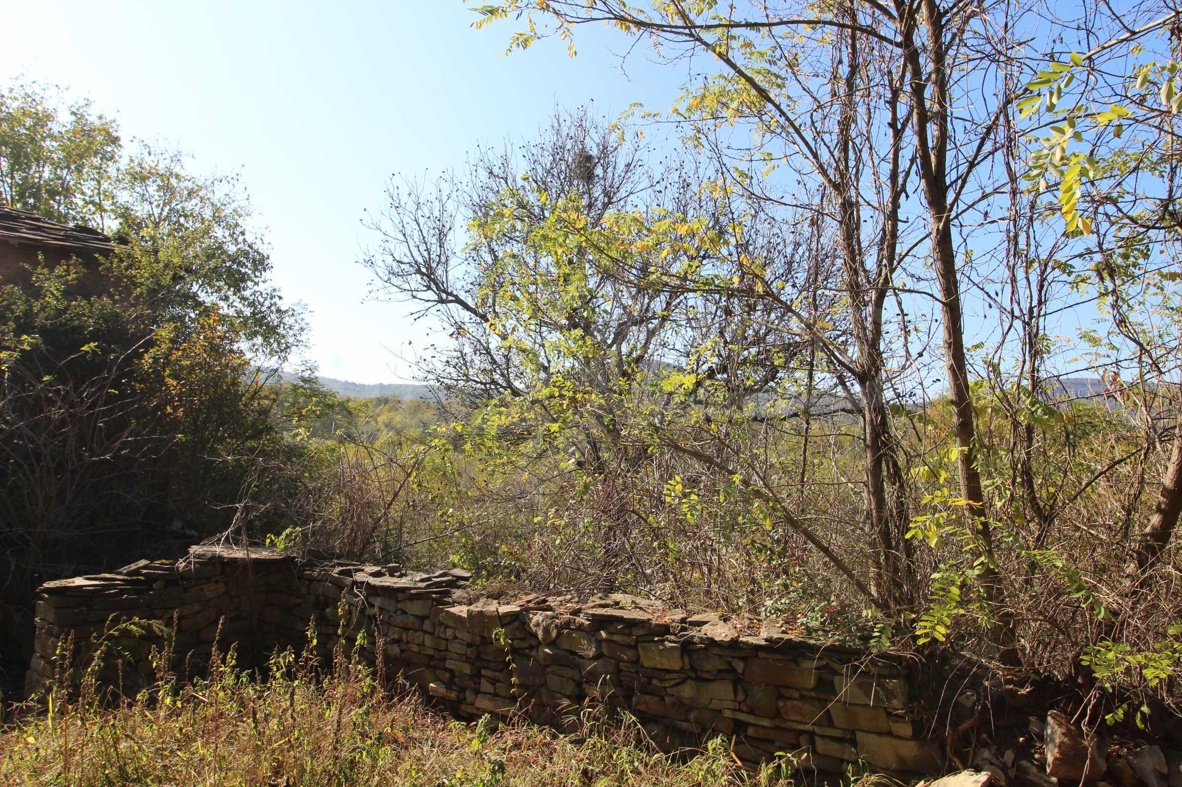 Реновирана двуетажна къща само на 24 км от Велико Търново  12
