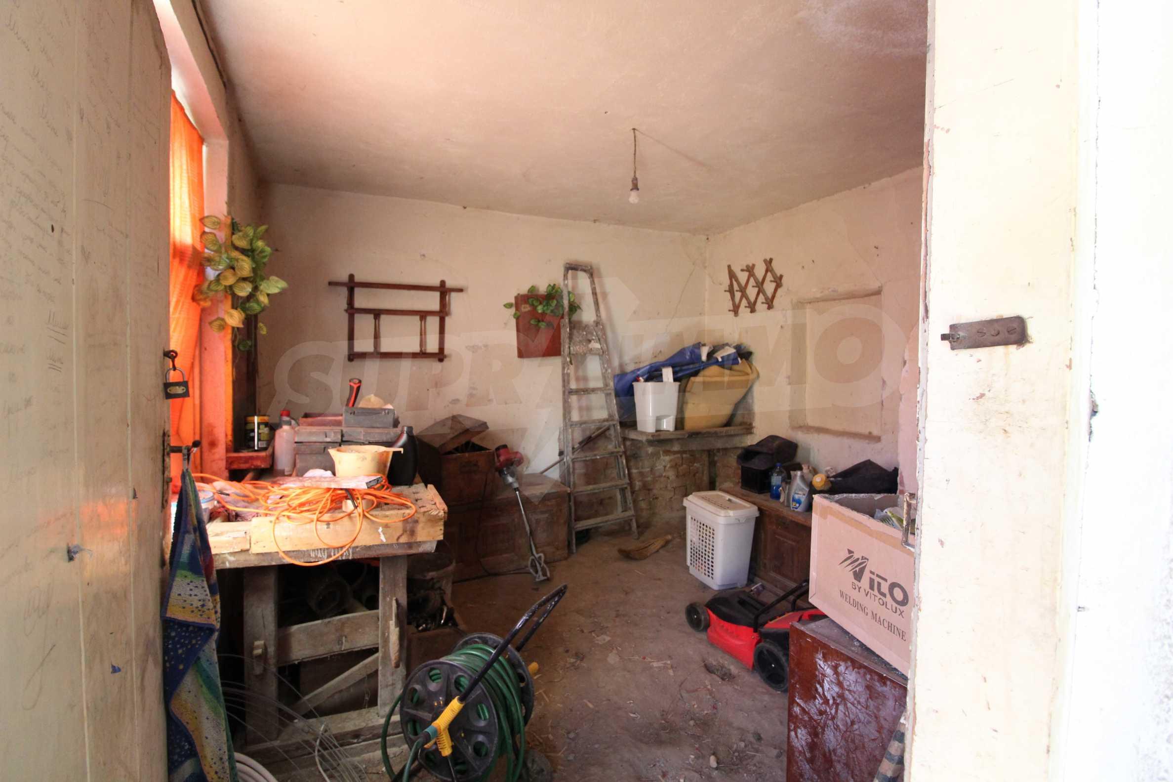 Реновирана двуетажна къща само на 24 км от Велико Търново  14