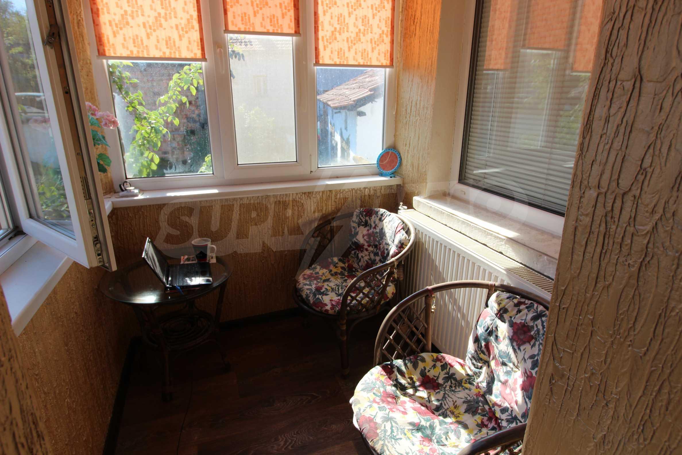 Реновирана двуетажна къща само на 24 км от Велико Търново  34