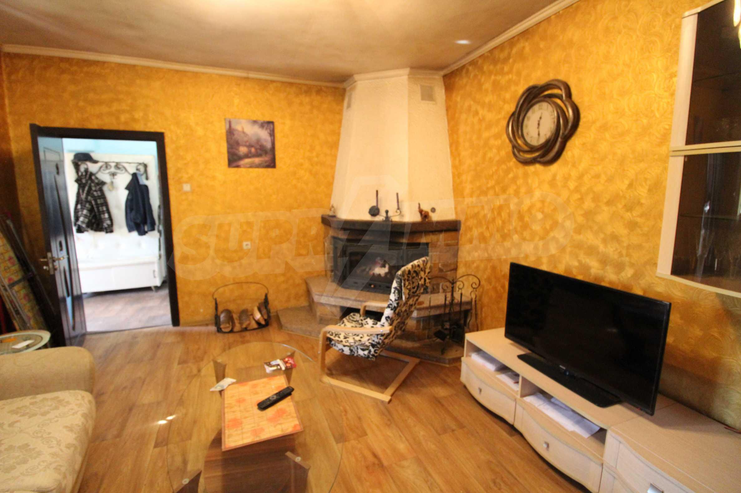 Реновирана двуетажна къща само на 24 км от Велико Търново  39