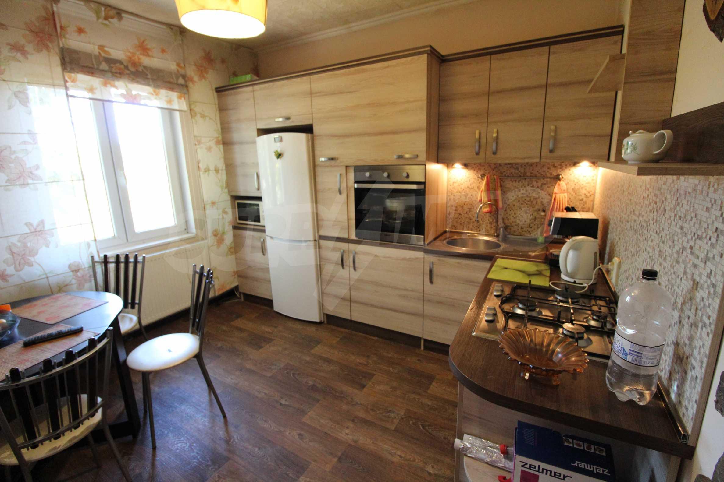 Реновирана двуетажна къща само на 24 км от Велико Търново  42
