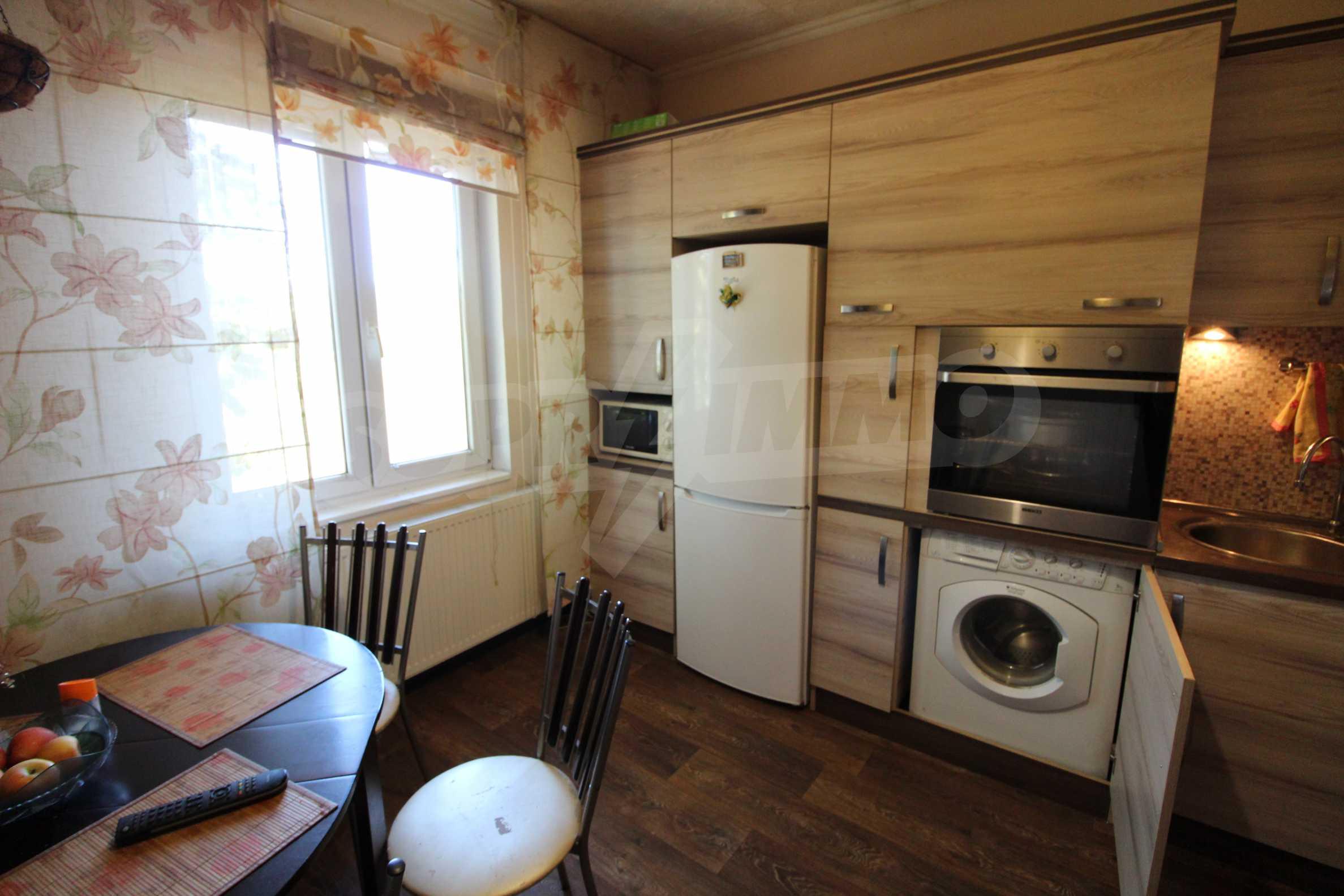 Реновирана двуетажна къща само на 24 км от Велико Търново  43