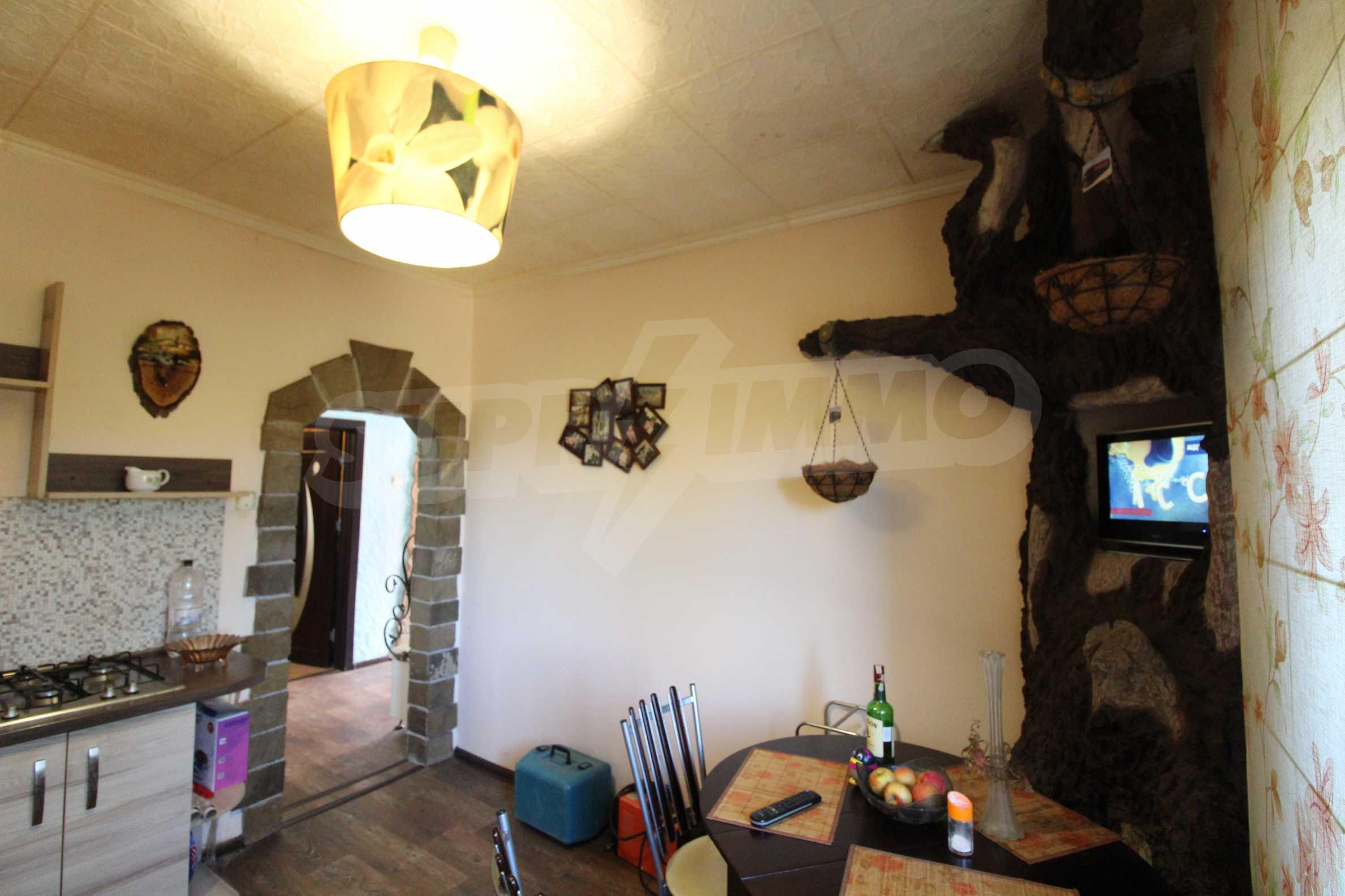 Реновирана двуетажна къща само на 24 км от Велико Търново  45
