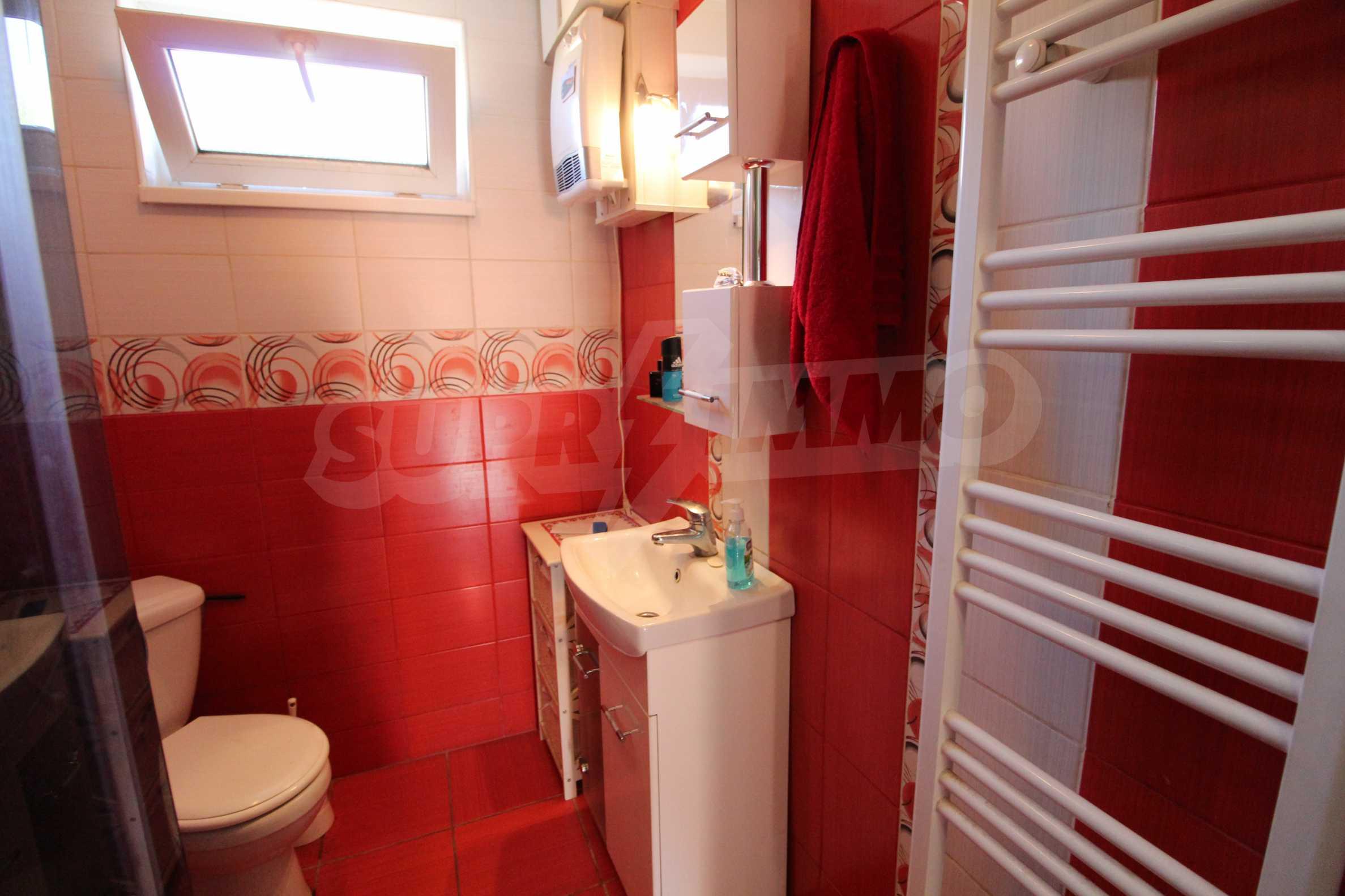 Реновирана двуетажна къща само на 24 км от Велико Търново  49