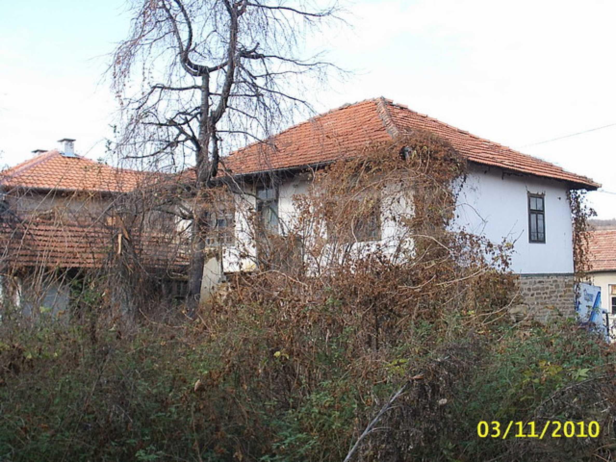 Каменна двуетажна къща  2