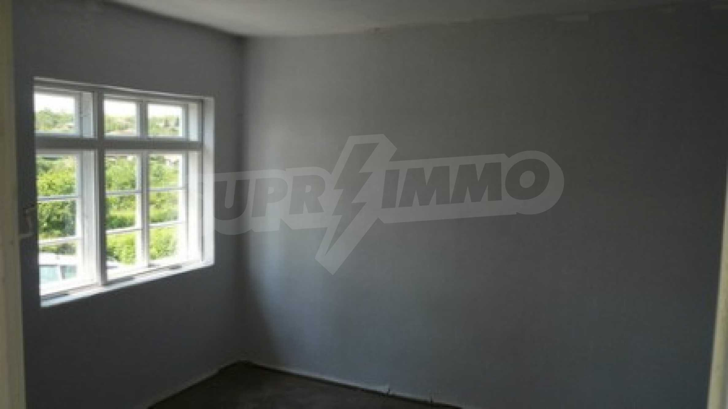 Spacious two-storey house in Bistrentsi village 4