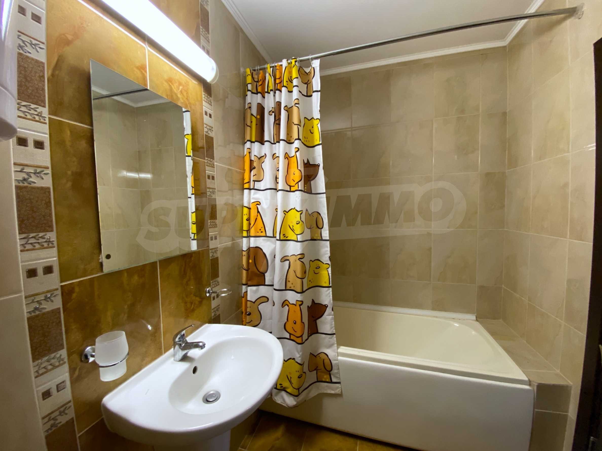Comfortable apartment in a complex with pool 200 meters from the beach 18