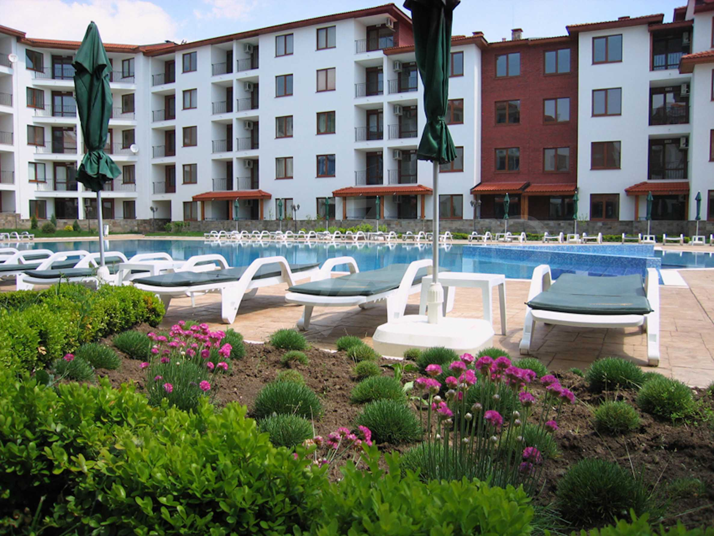Comfortable apartment in a complex with pool 200 meters from the beach 21