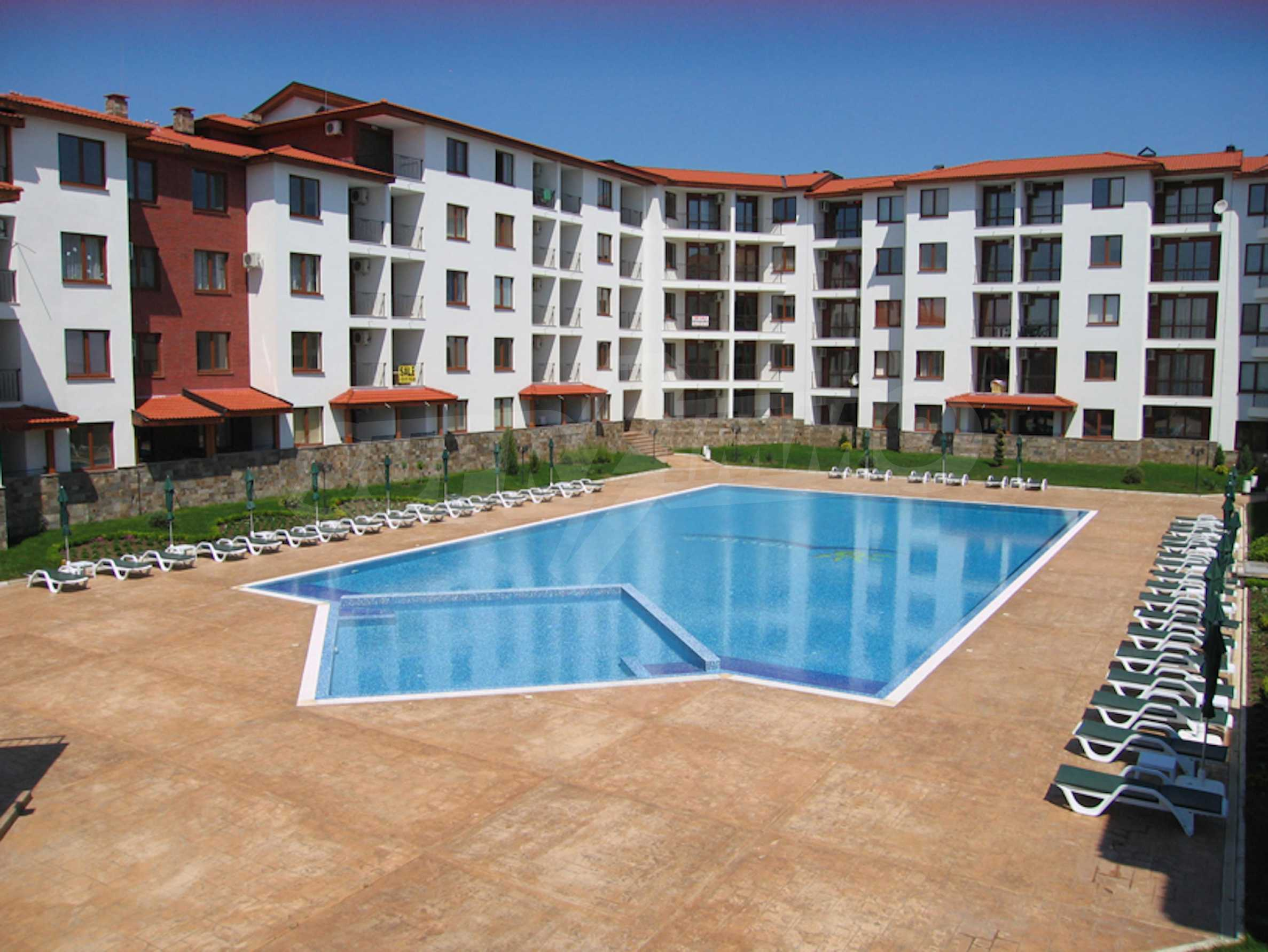 Comfortable apartment in a complex with pool 200 meters from the beach 3