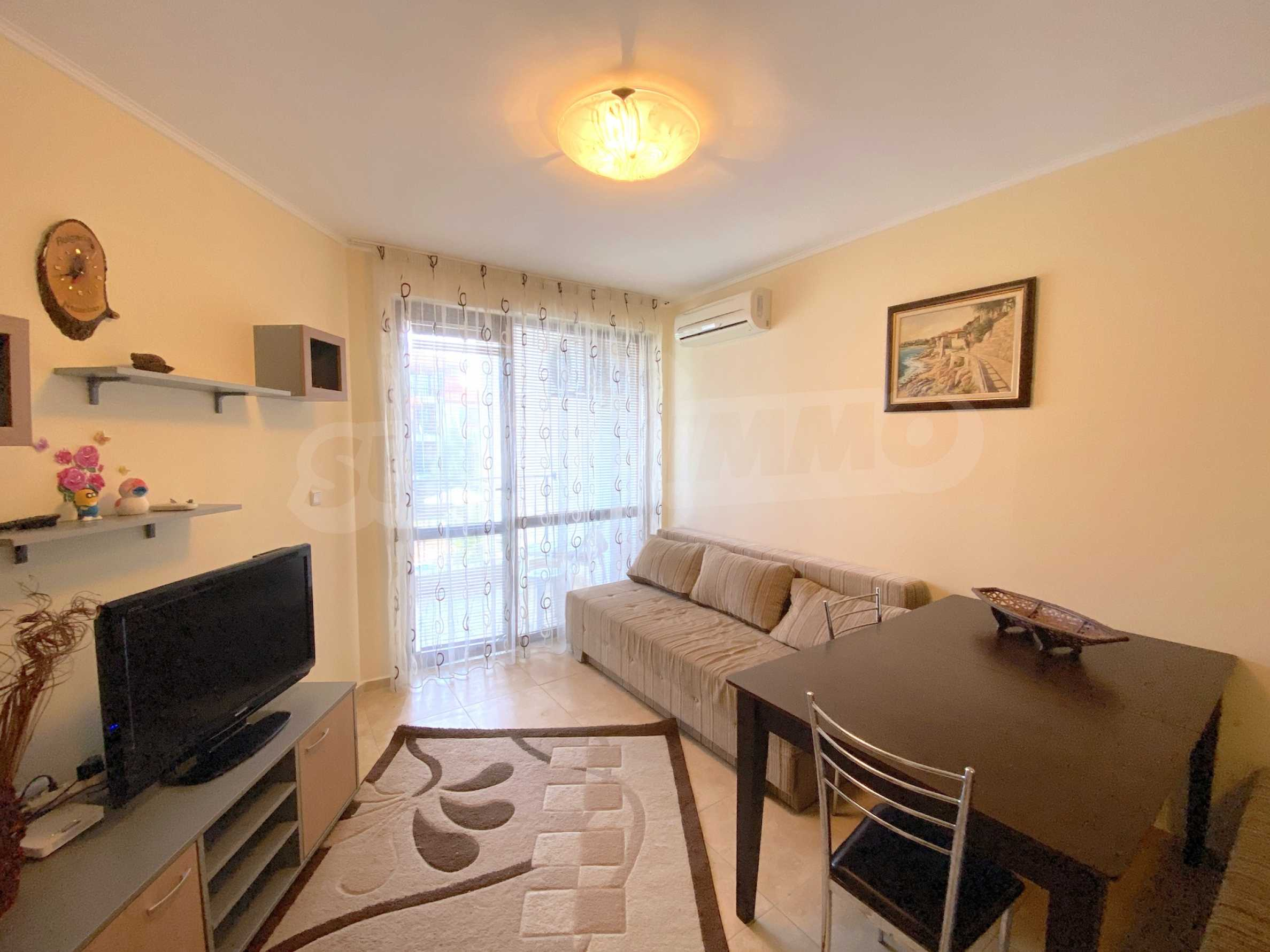 Comfortable apartment in a complex with pool 200 meters from the beach 6