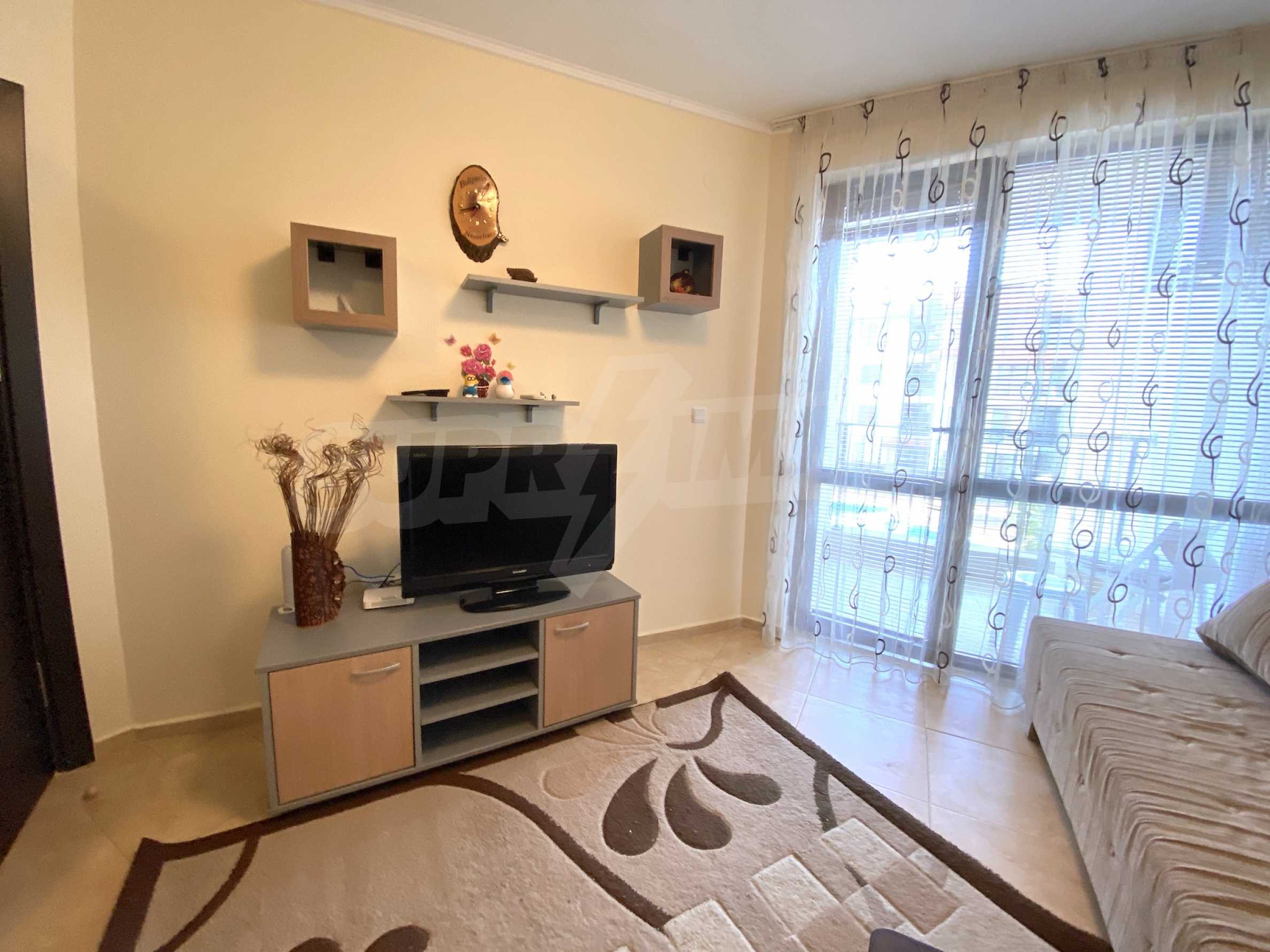 Comfortable apartment in a complex with pool 200 meters from the beach 7