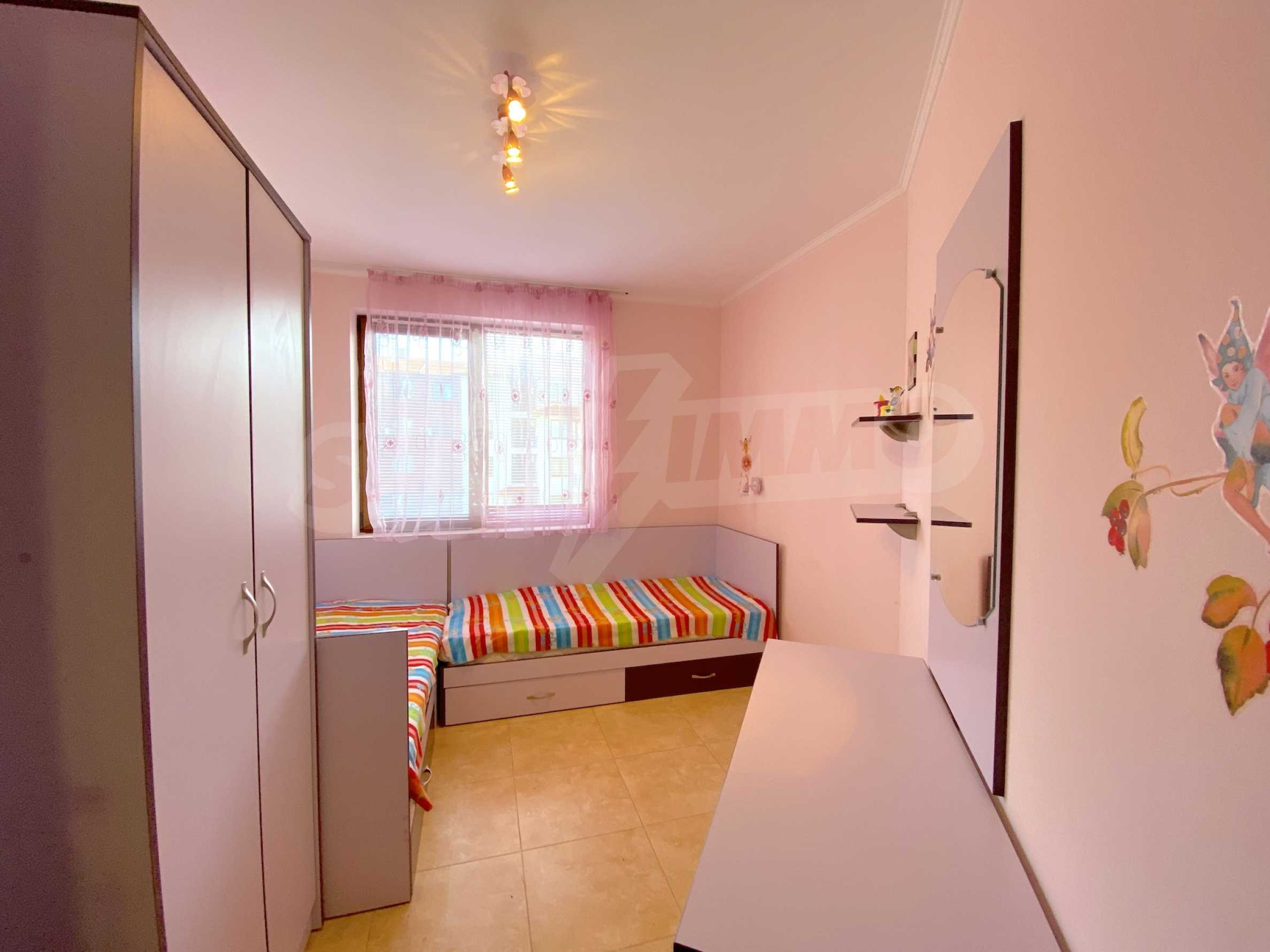 Comfortable apartment in a complex with pool 200 meters from the beach 10