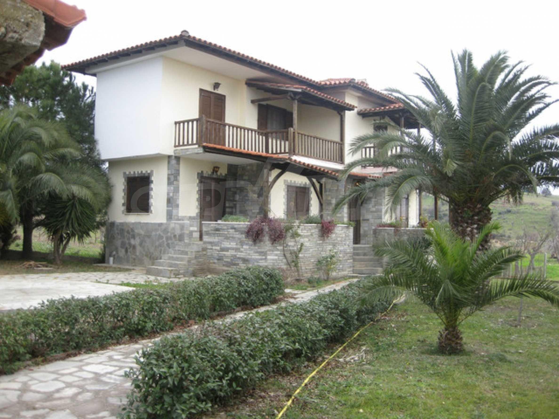 Къща  в  Никити