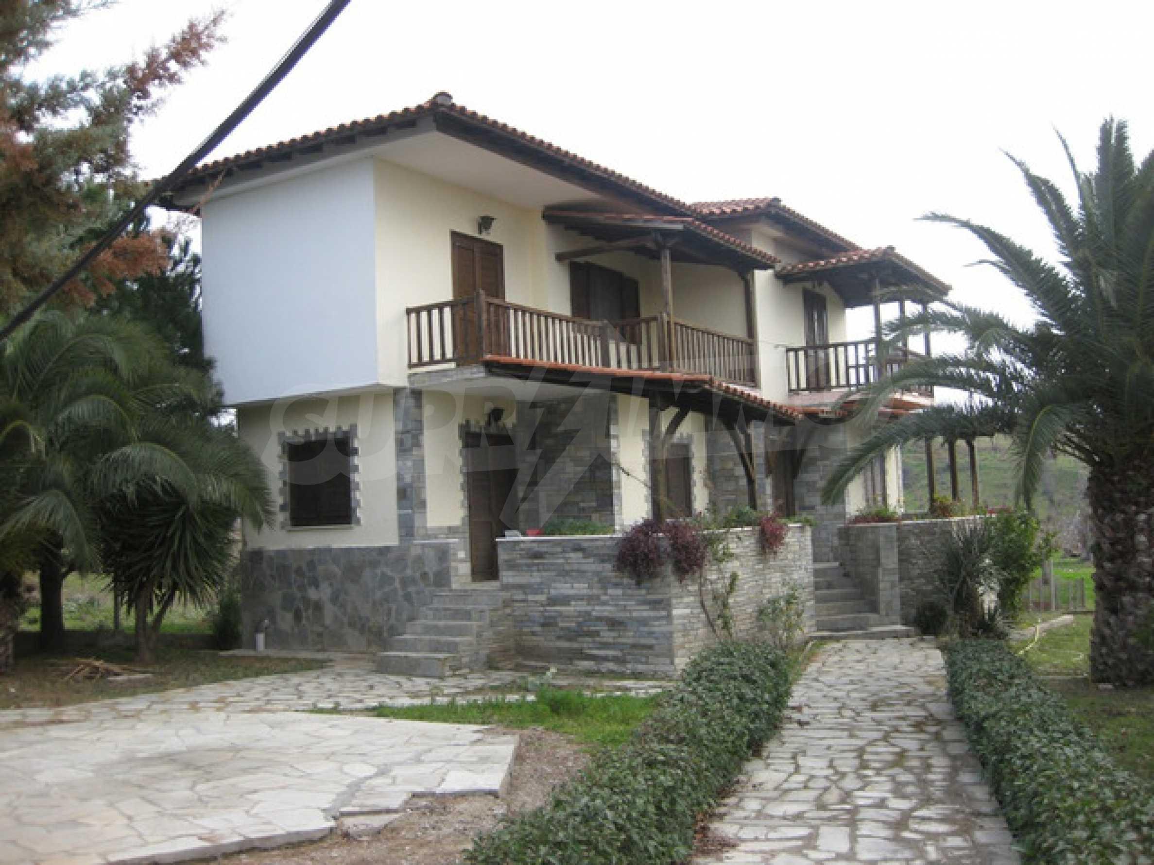 Къща  в  Никити 1