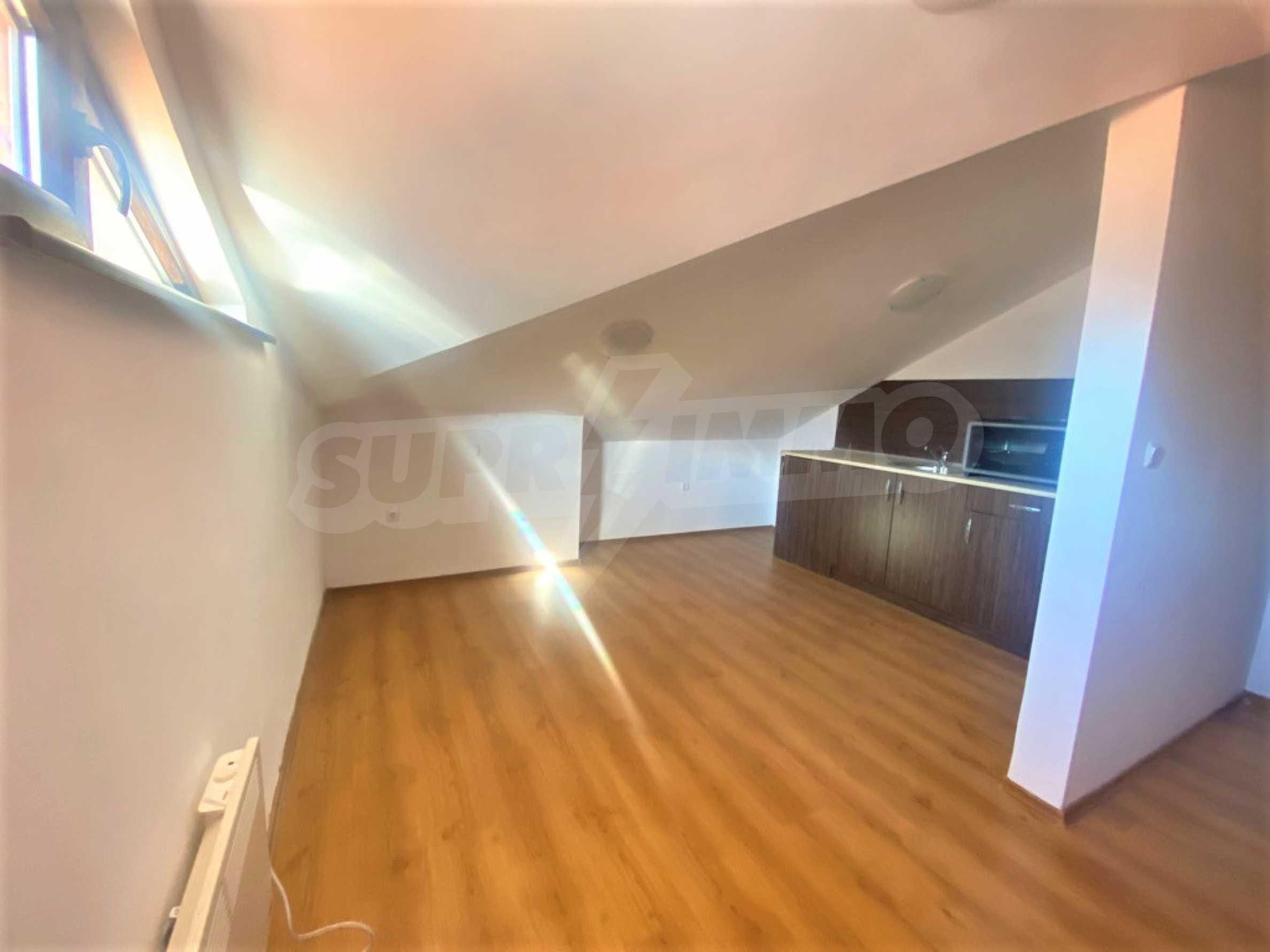 Обзаведен двустаен апартамент за продажба в СПА комплекс в Банско 1