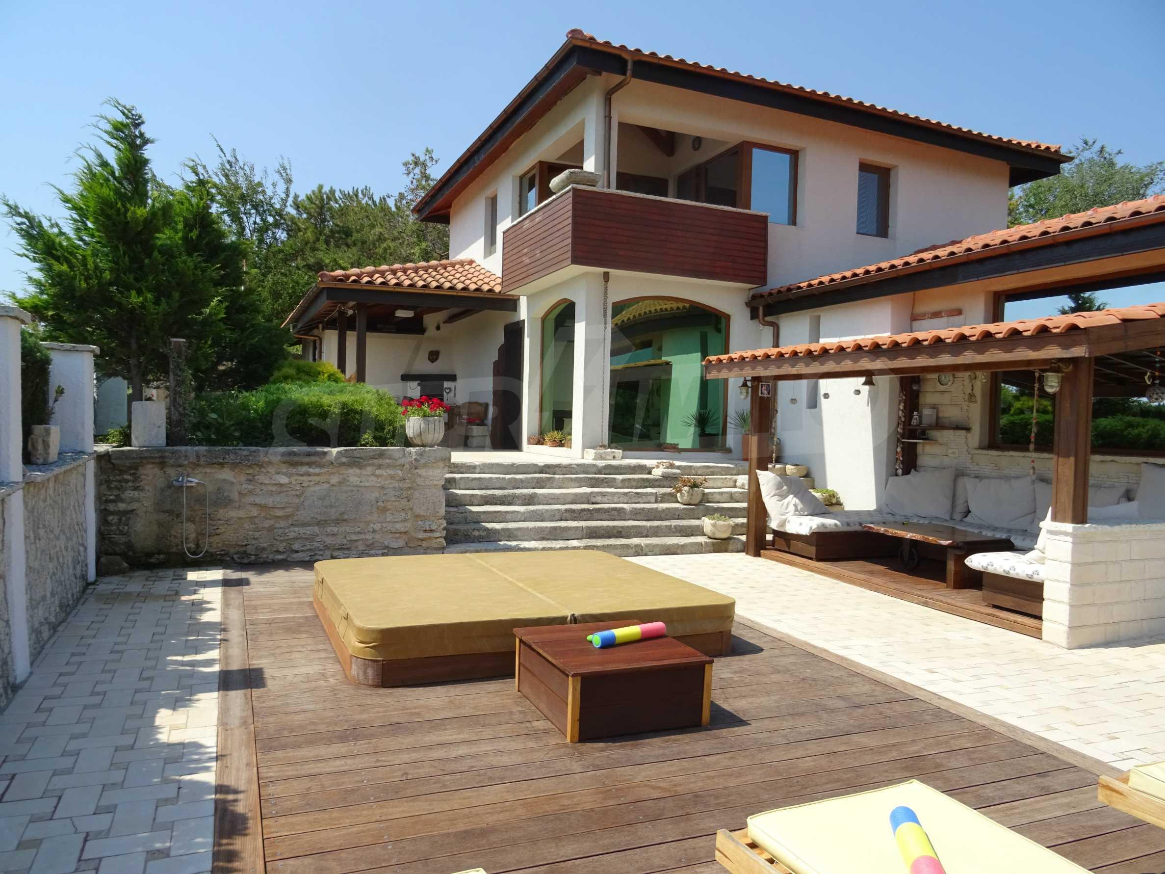 The Mediterranean style - a sense of luxury 9