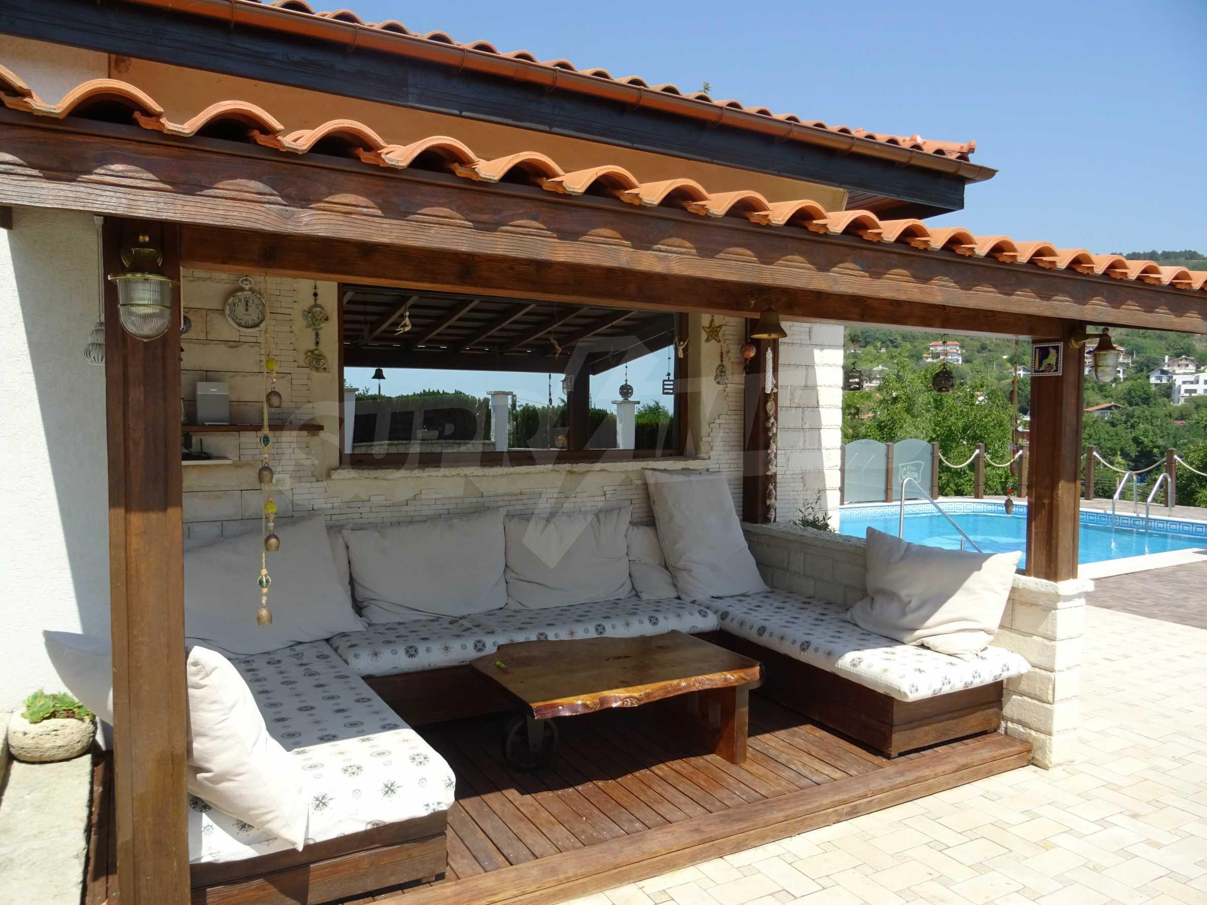 The Mediterranean style - a sense of luxury 3