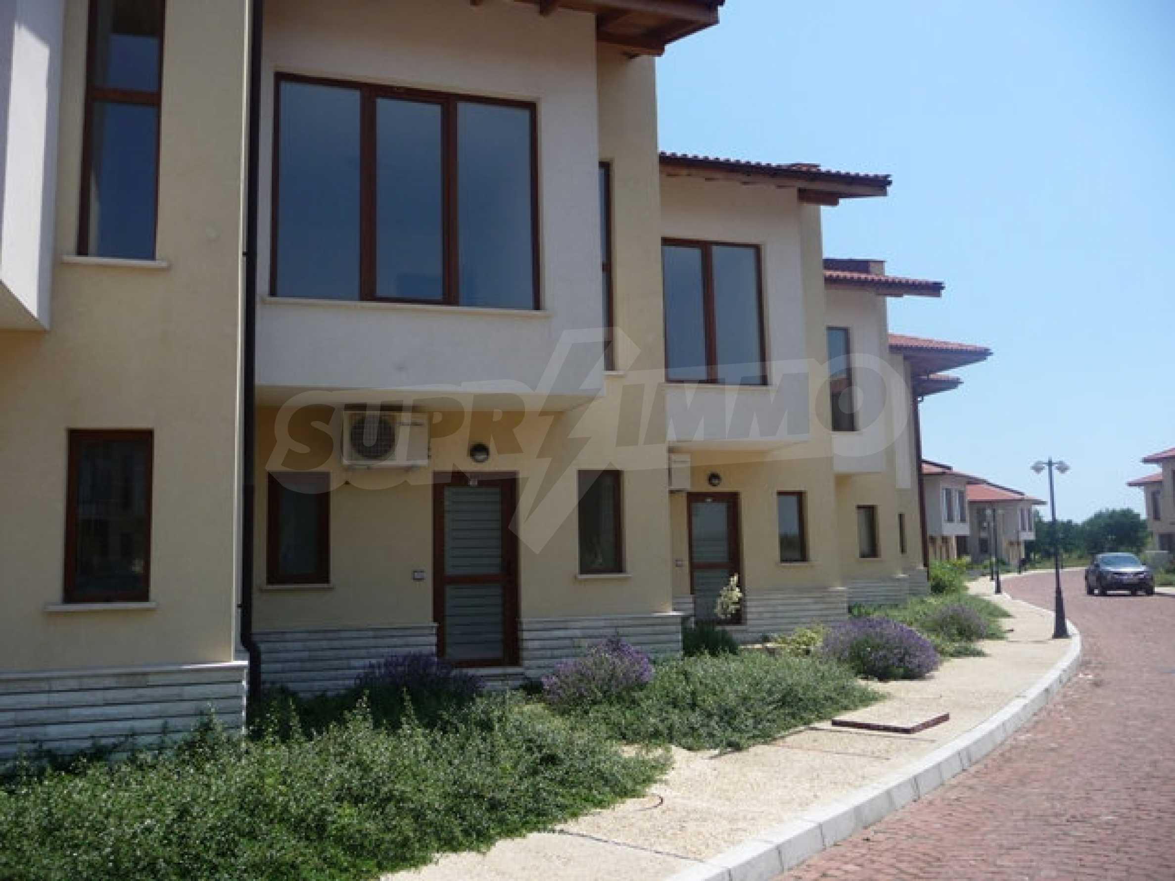 Двухэтажный дом в комплексе Lighthouse Golf Resort&SPA