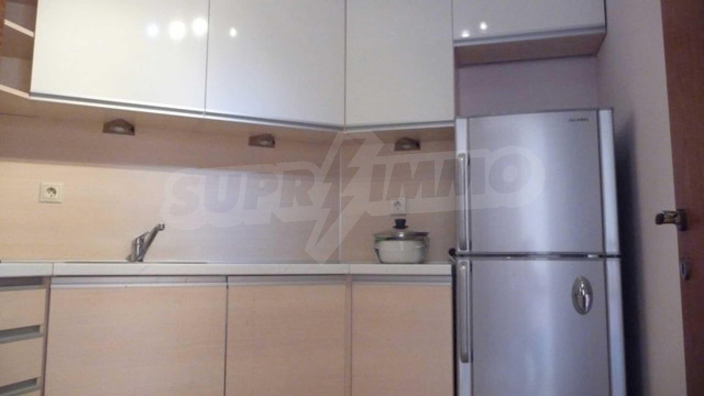 Zwei-Zimmer-Wohnung in Varna 16