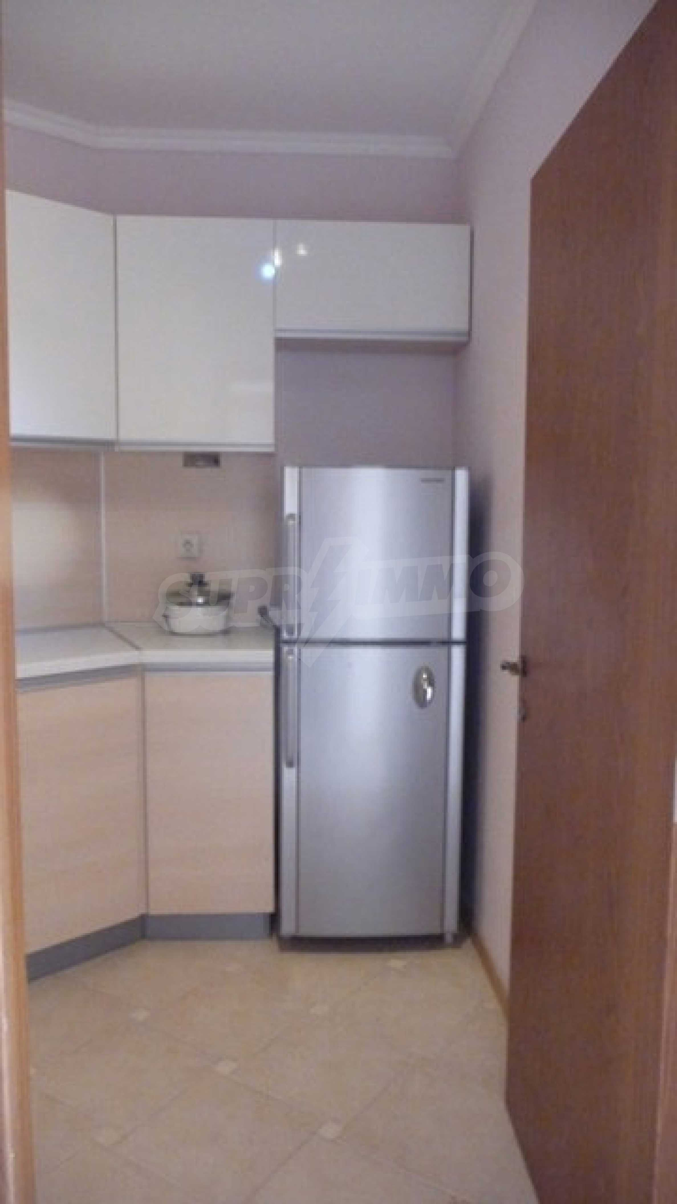 Zwei-Zimmer-Wohnung in Varna 17