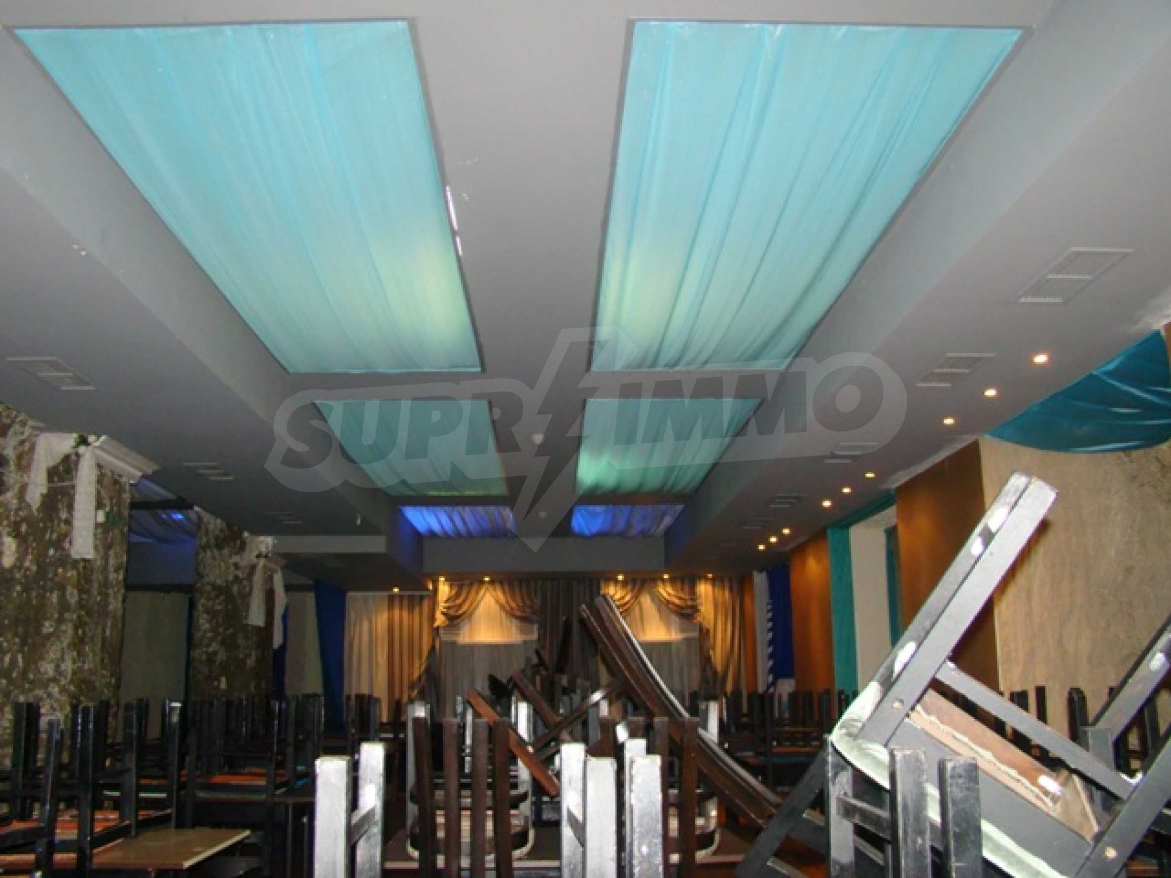 Furnished nightclub in downtown Sofia  9