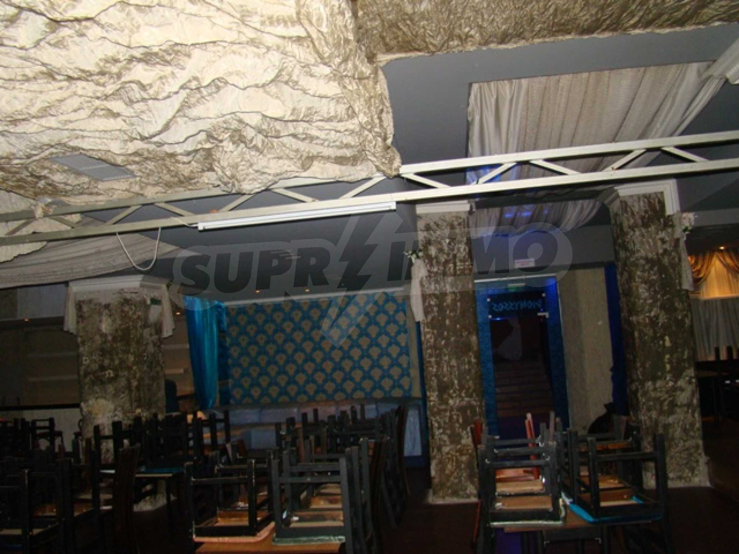 Furnished nightclub in downtown Sofia  14
