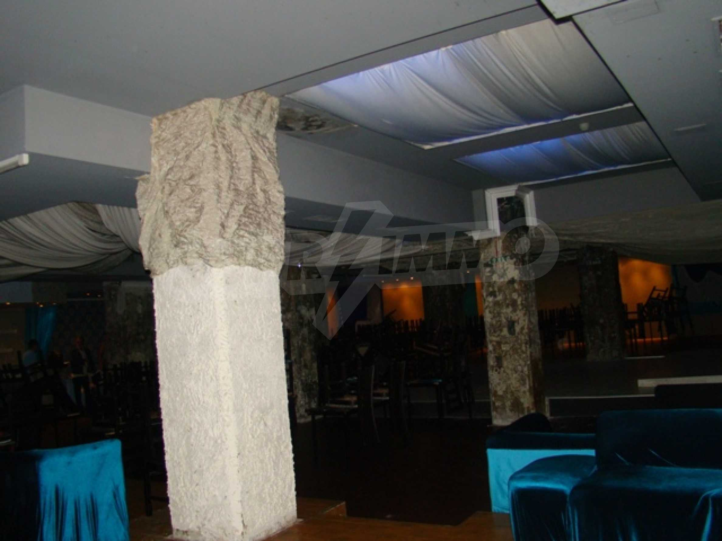 Furnished nightclub in downtown Sofia  18