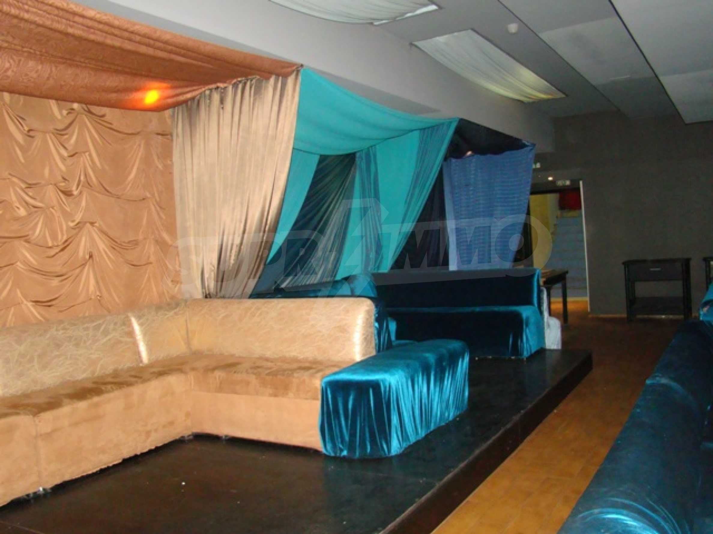 Furnished nightclub in downtown Sofia  20