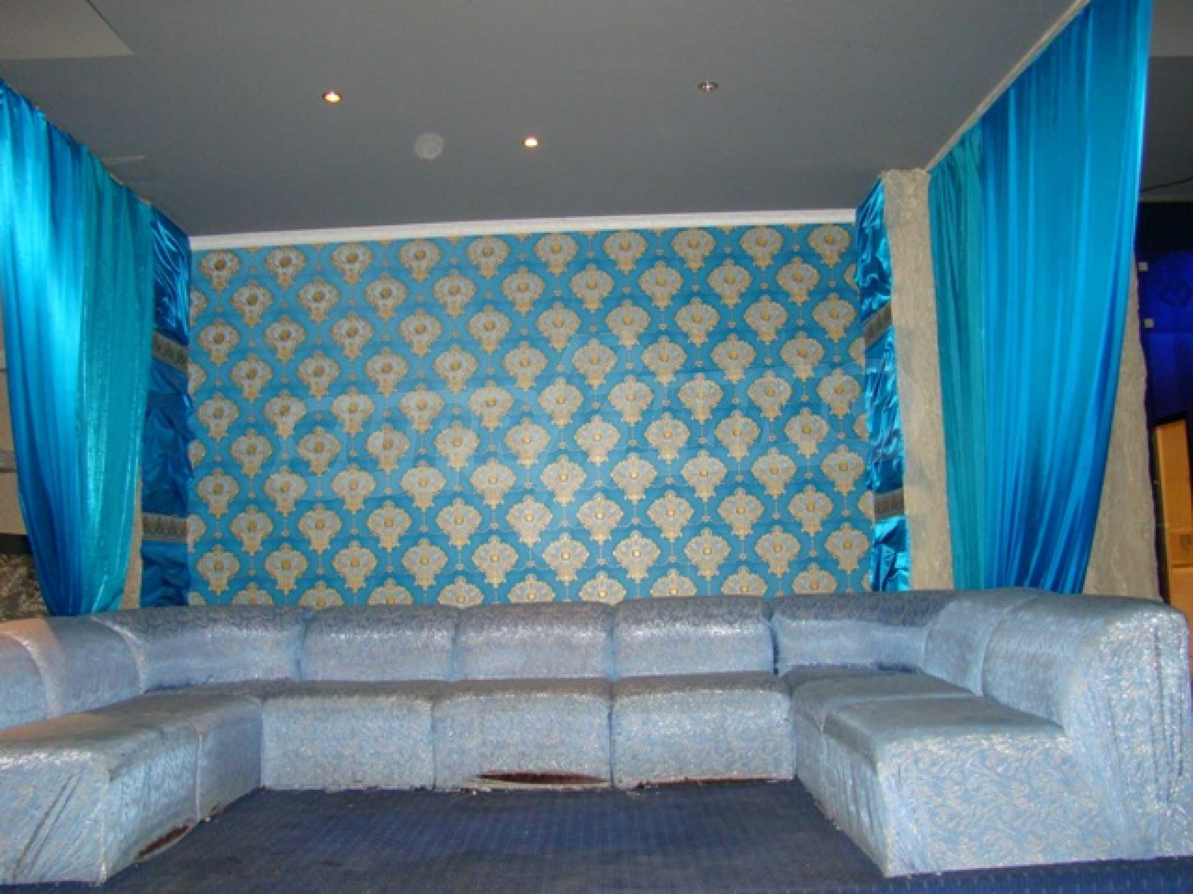Furnished nightclub in downtown Sofia  31