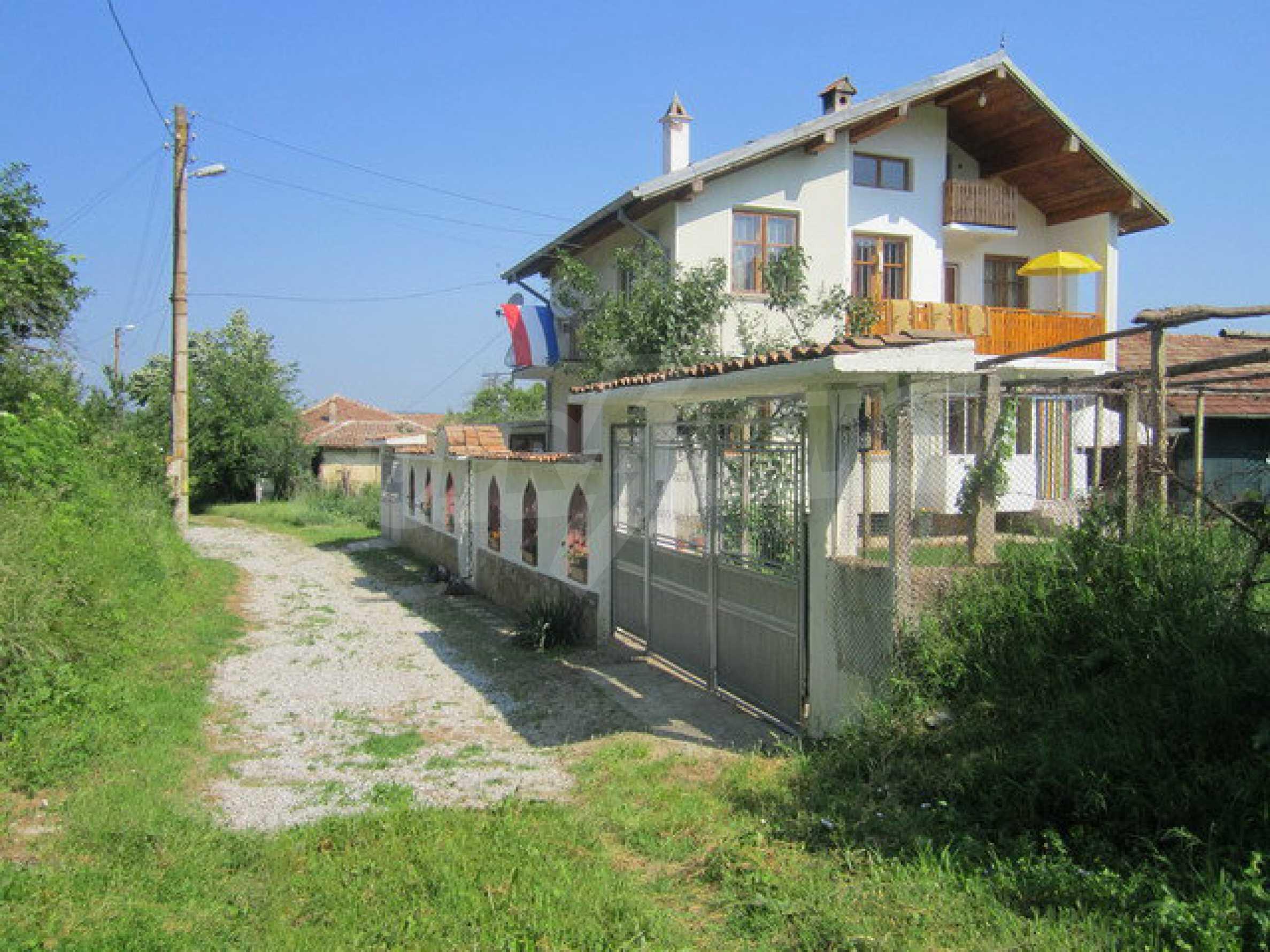 Geräumiges ländliches Anwesen mit einem Garten 20 km. von Veliko Tarnovo