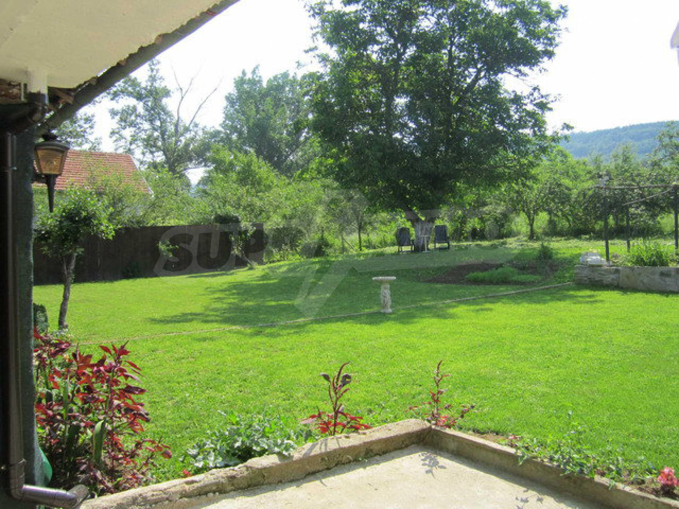 Geräumiges ländliches Anwesen mit einem Garten 20 km. von Veliko Tarnovo 28